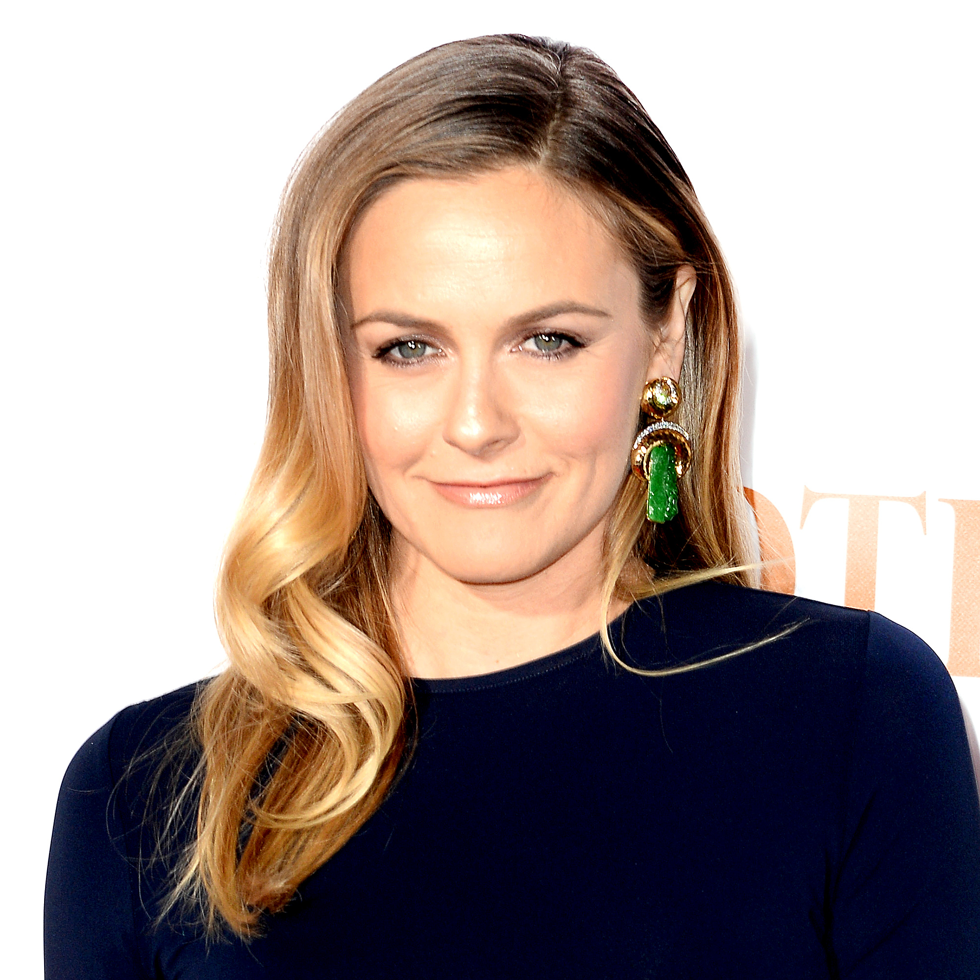 Alicia Silverstone attends the 'Spotlight' New York premiere at Ziegfeld Theater on October 27, 2015 in New York City.