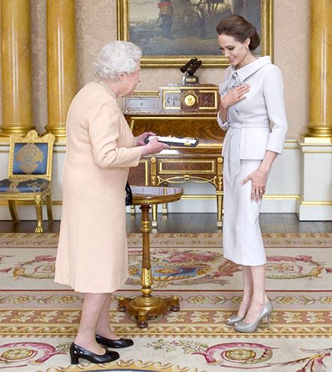 ang meets queen
