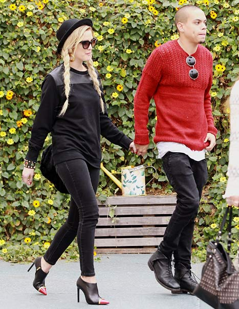 Ashlee Simpson, Ex Pete Wentz Reunite for Son's Birthday ...
