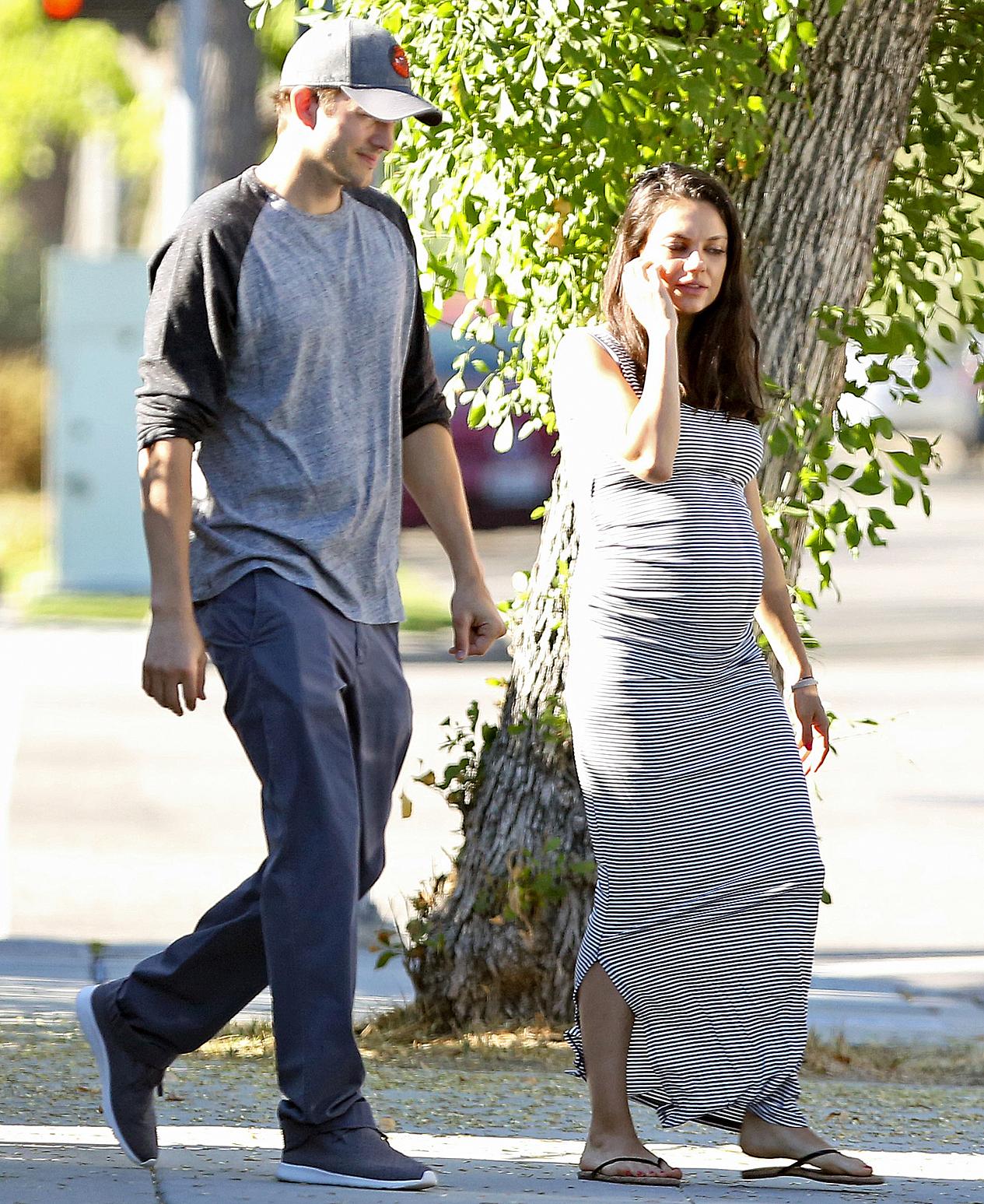 Ashton Kutcher Mila Kunis pregnant