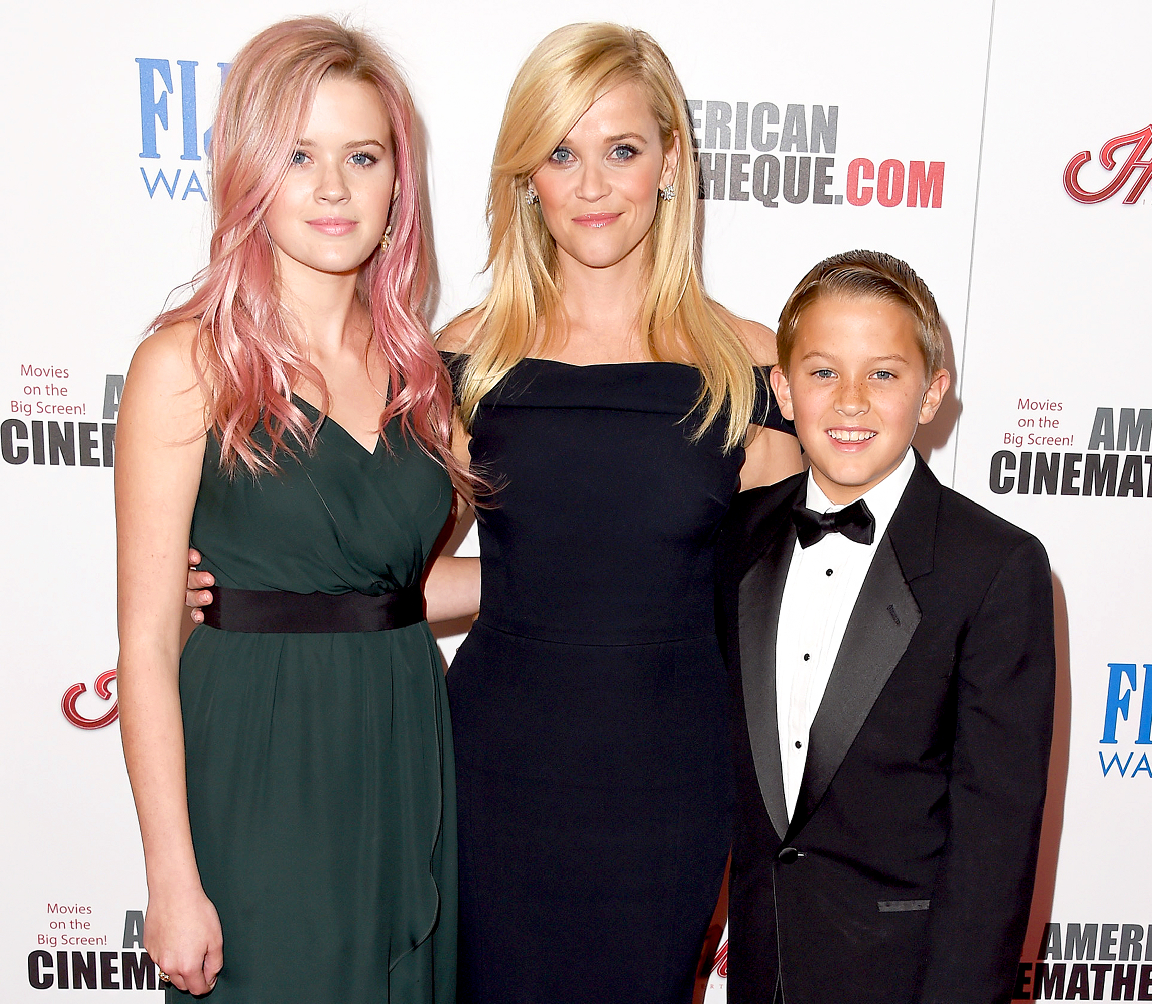 Ava Phillippe, Reese Witherspoon and Deacon Phillippe