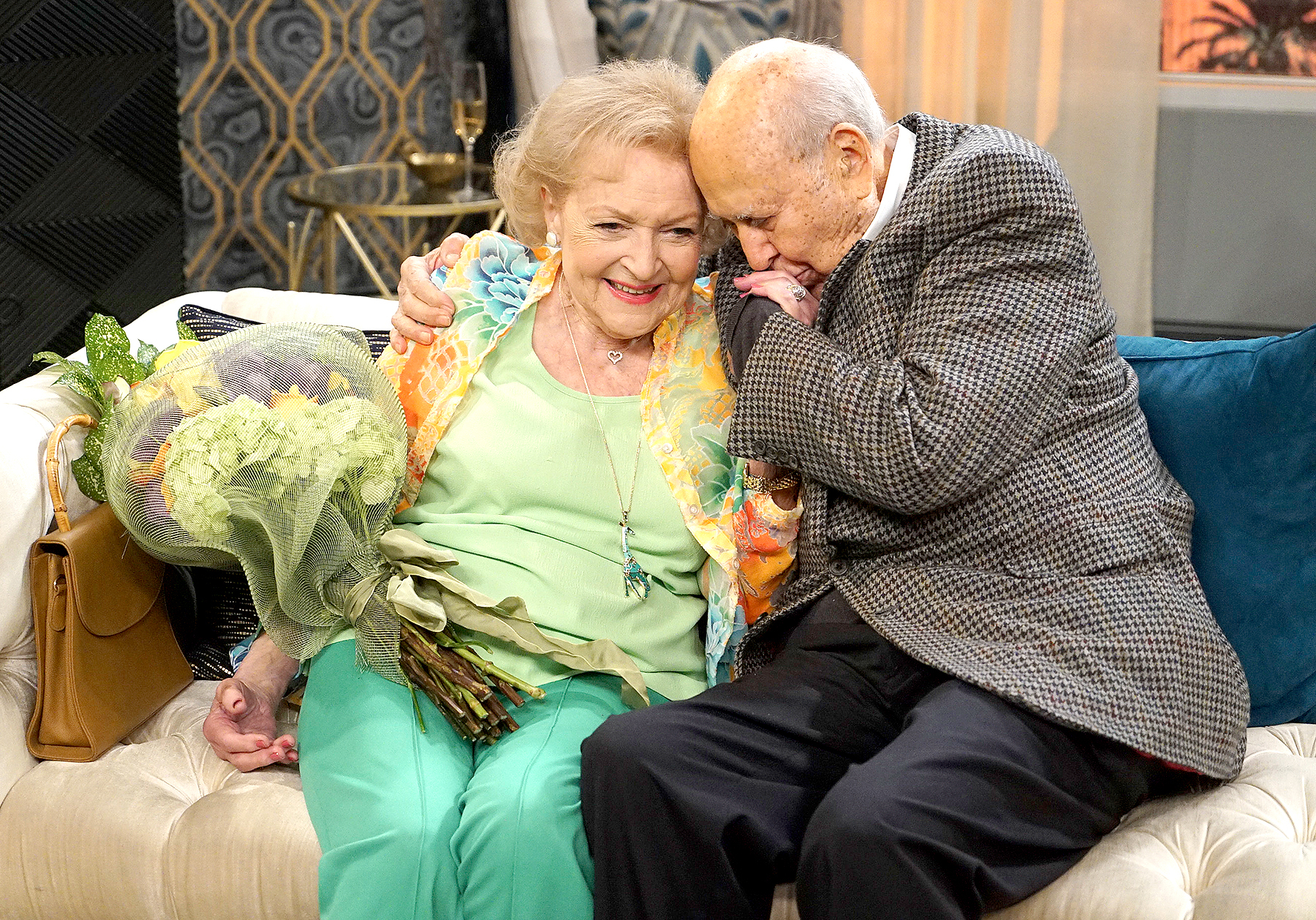 "Betty White and Carl Reiner on ""Young & Hungry"""