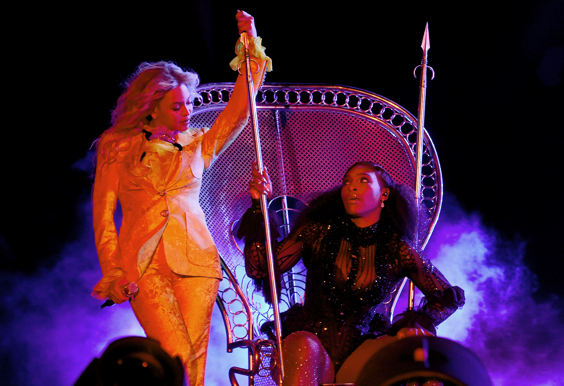 "Beyonce and Serena Williams perform on stage during closing night of ""The Formation World Tour"" at MetLife Stadium on October 7, 2016 in East Rutherford, New Jersey."