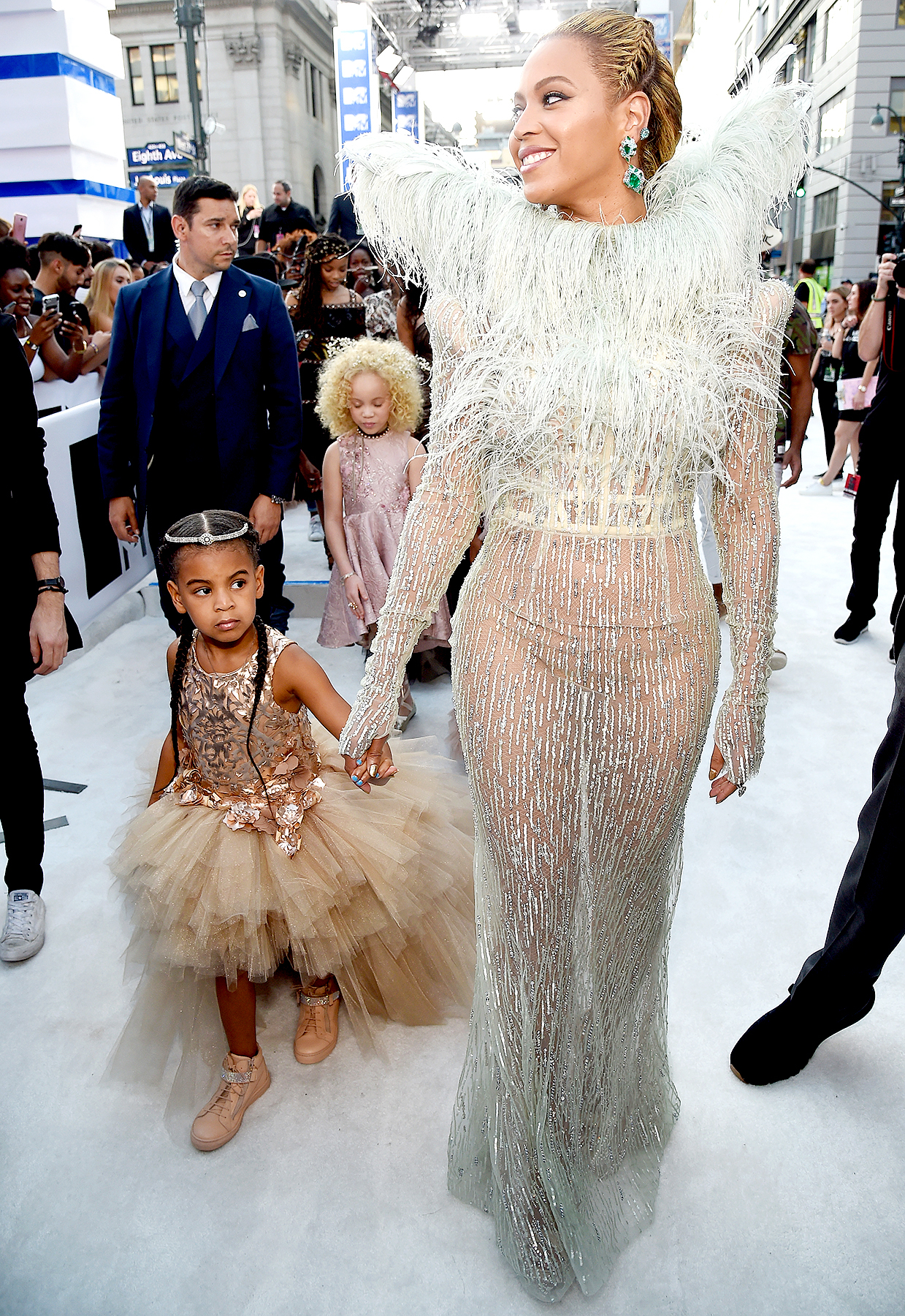 Beyonce and daughter Blue Ivy Carter attend the 2016 MTV Video Music Awards at Madison Square Garden on August 28, 2016 in New York City.