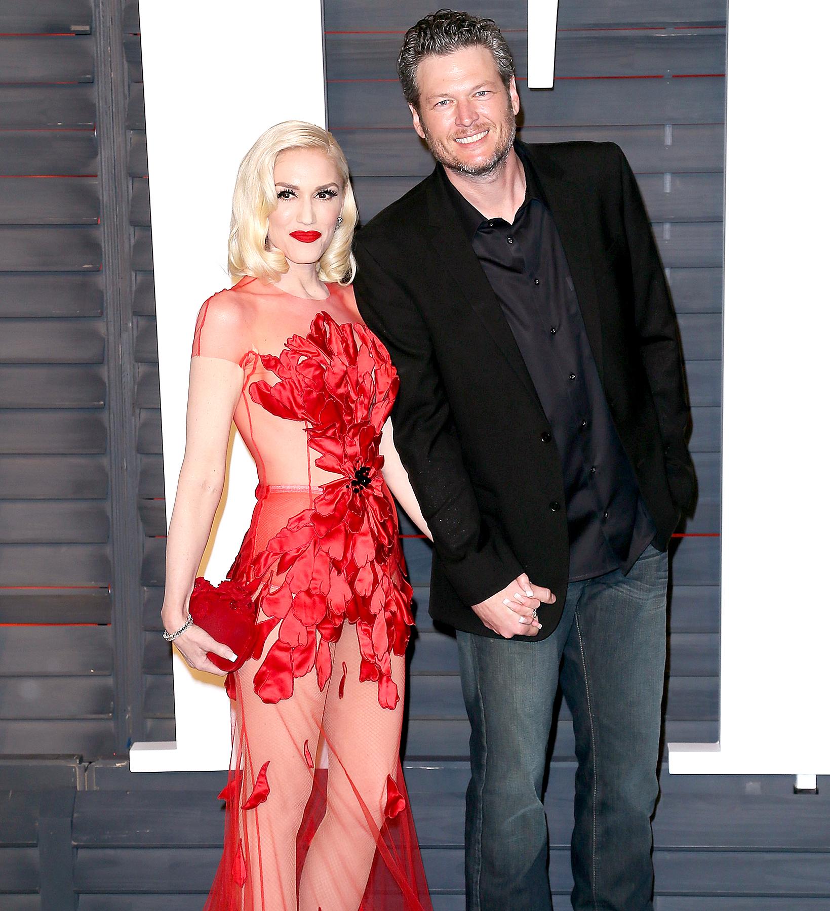 Gwen Stefani and Blake Shelton arrive at the 2016 Vanity Fair Oscar Party.