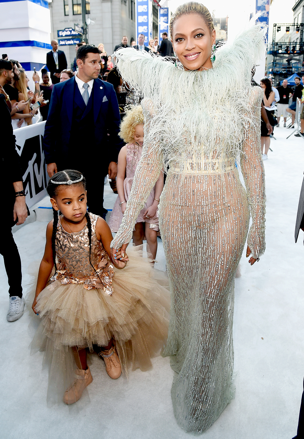 Beyonce Knowles and daughter Blue Ivy Carter attend the 2016 MTV Video Music Awards at Madison Square Garden on August 28, 2016 in New York City.
