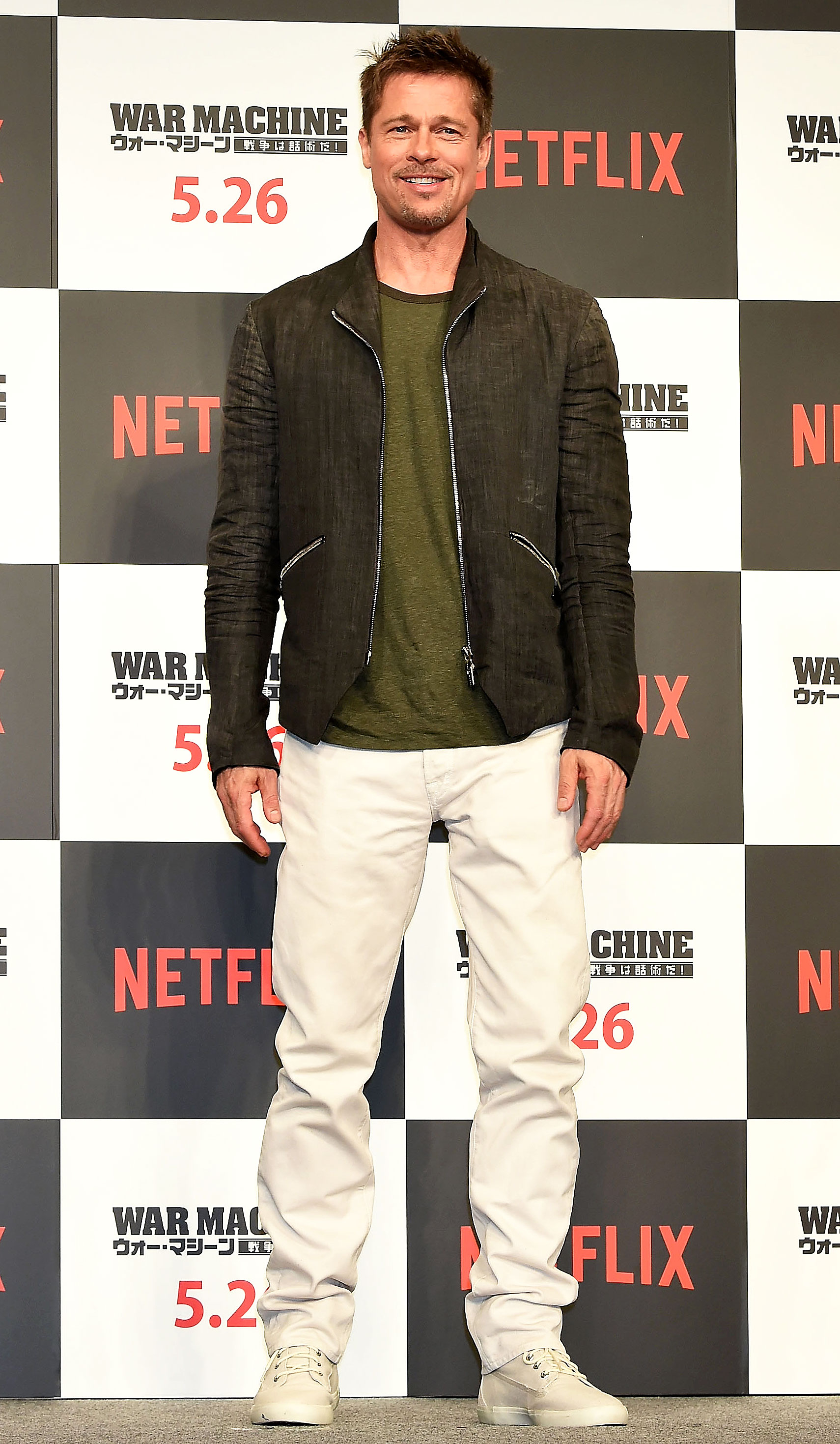 brad Pitt - The actor took a casual approach to his red carpet style at the War Machine conference in Tokyo, where he wore white pants and sneakers, an olive T-shirt and a light jacket on May 22, 2017.