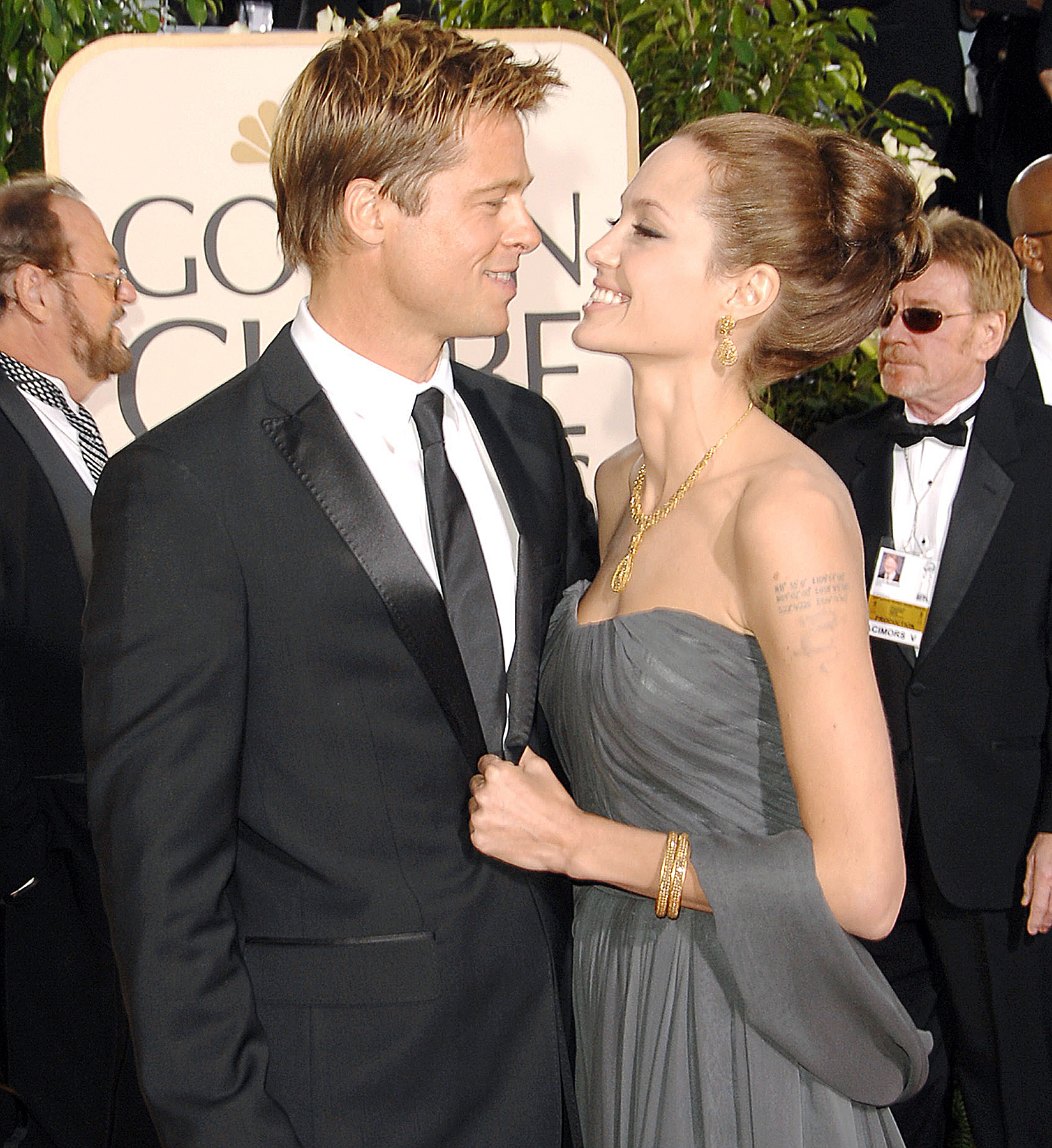 Angelina jolie and billy bob thornton smooch dating 9