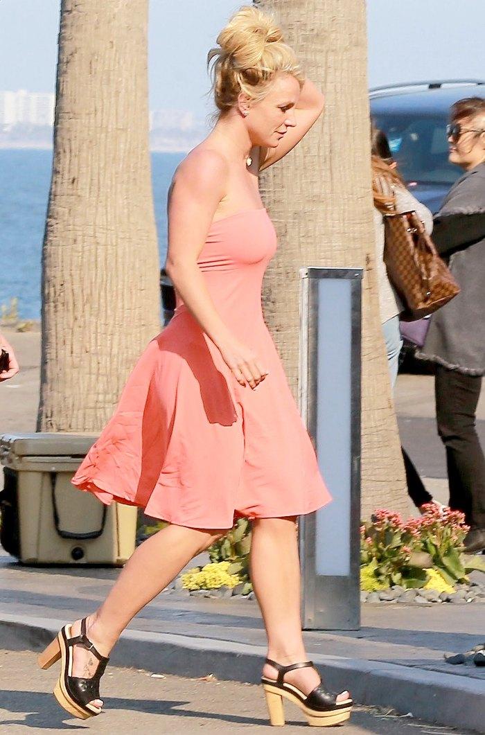 Britney Spears Enjoys Dinner Date With Sam Asghari In Malibu