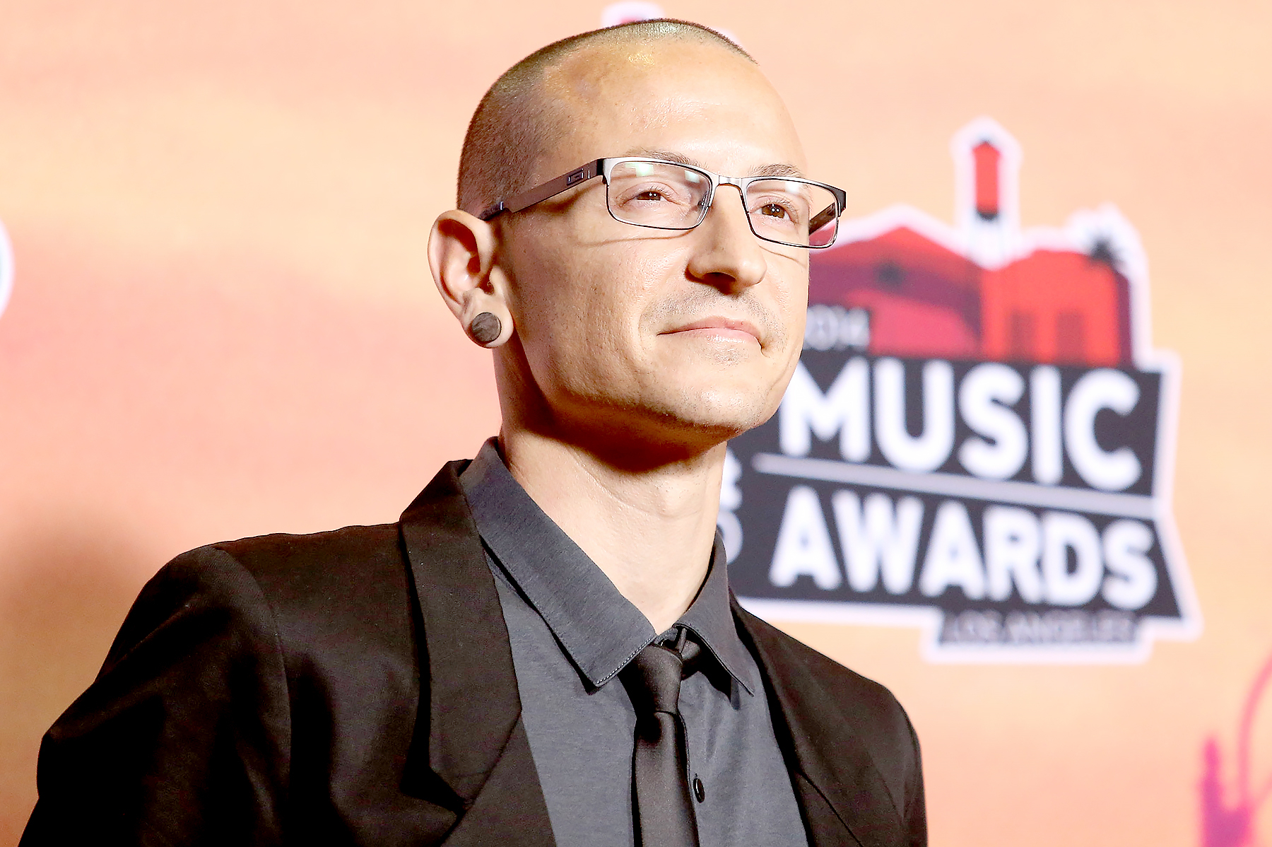 Chester Bennington attends the 2014 iHeartRadio Music Awards - press room held at The Shrine Auditorium on May 1, 2014 in Los Angeles, California.