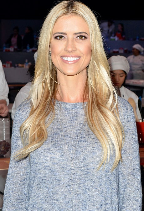 Christina El Moussa Hits Back at Mom Shamers After Posting Swimsuit Pic.