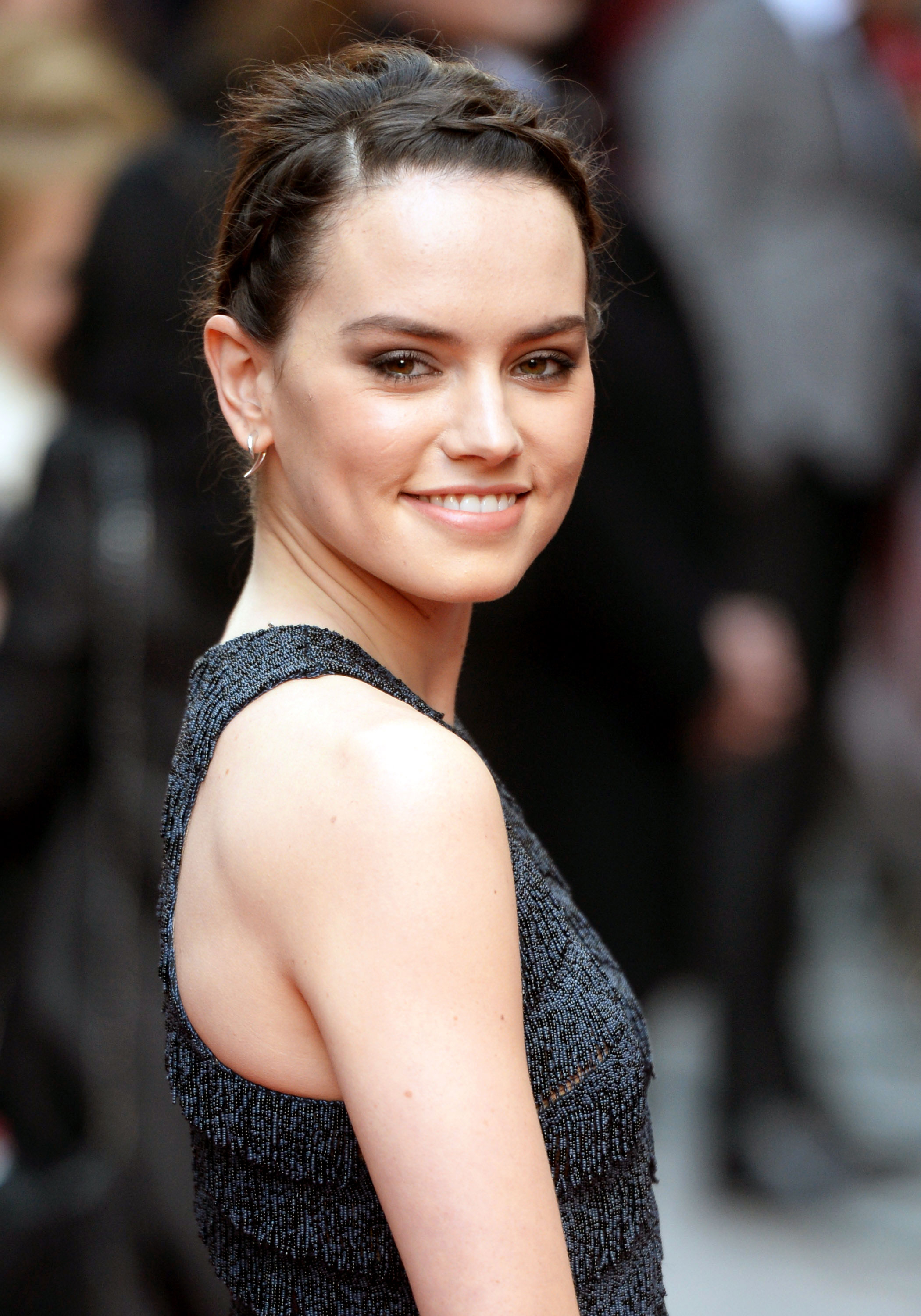Communication on this topic: Anuya Bhagvath, daisy-ridley/