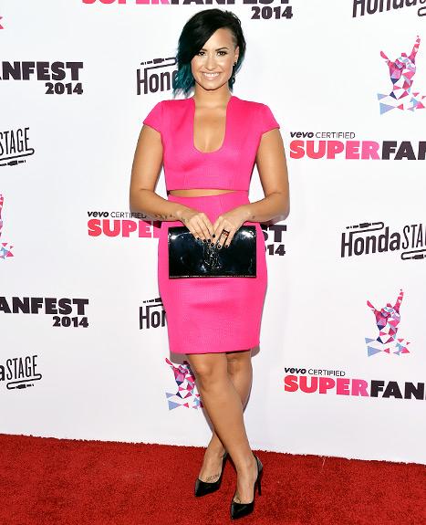 Demi Lovato - pink