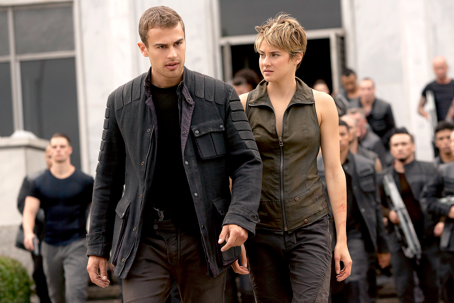 Theo James and Shailene Woodley in The Divergent Series.