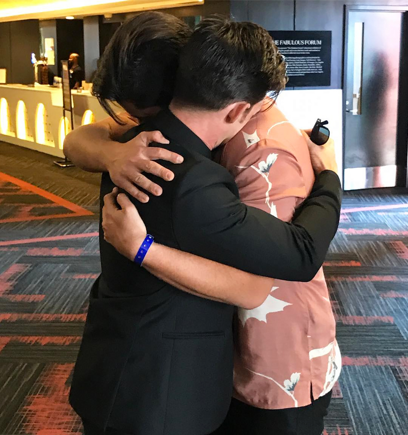 Drake Bell Josh Peck - They've officially ended their feud! Bell and Peck both shared the same photo of themselves embracing at the 2017 MTV Video Music Awards in Los Angeles.
