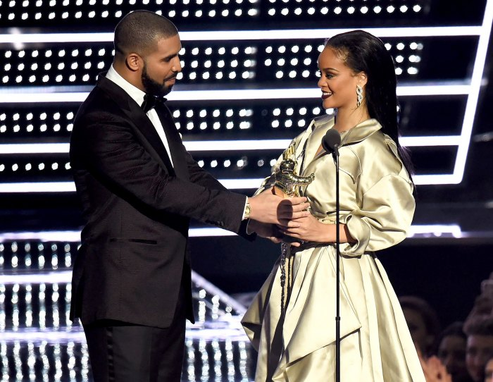 Drake presents Rihanna with the Video Vanguard Award during the 2016 MTV Video Music Awards.