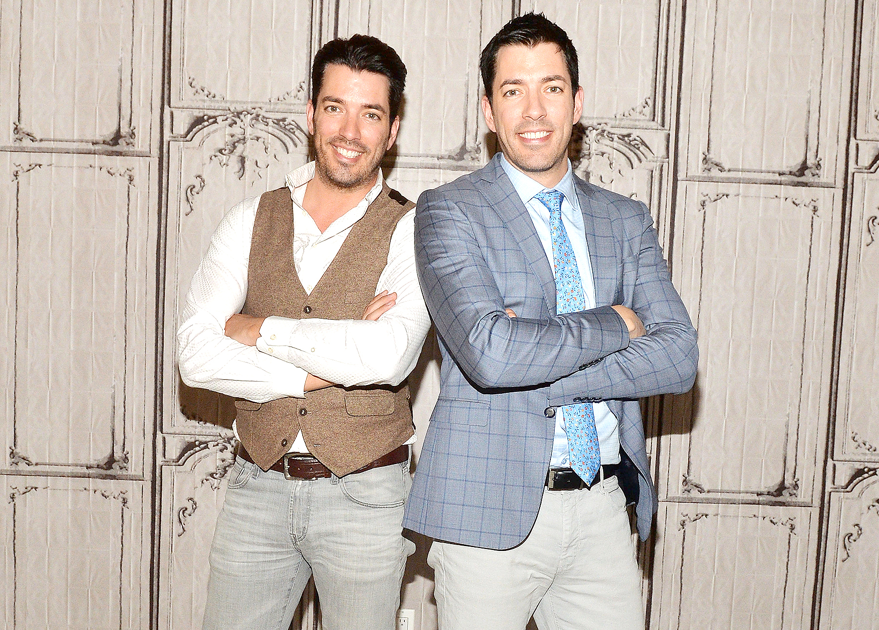 Who are the property brothers hookup