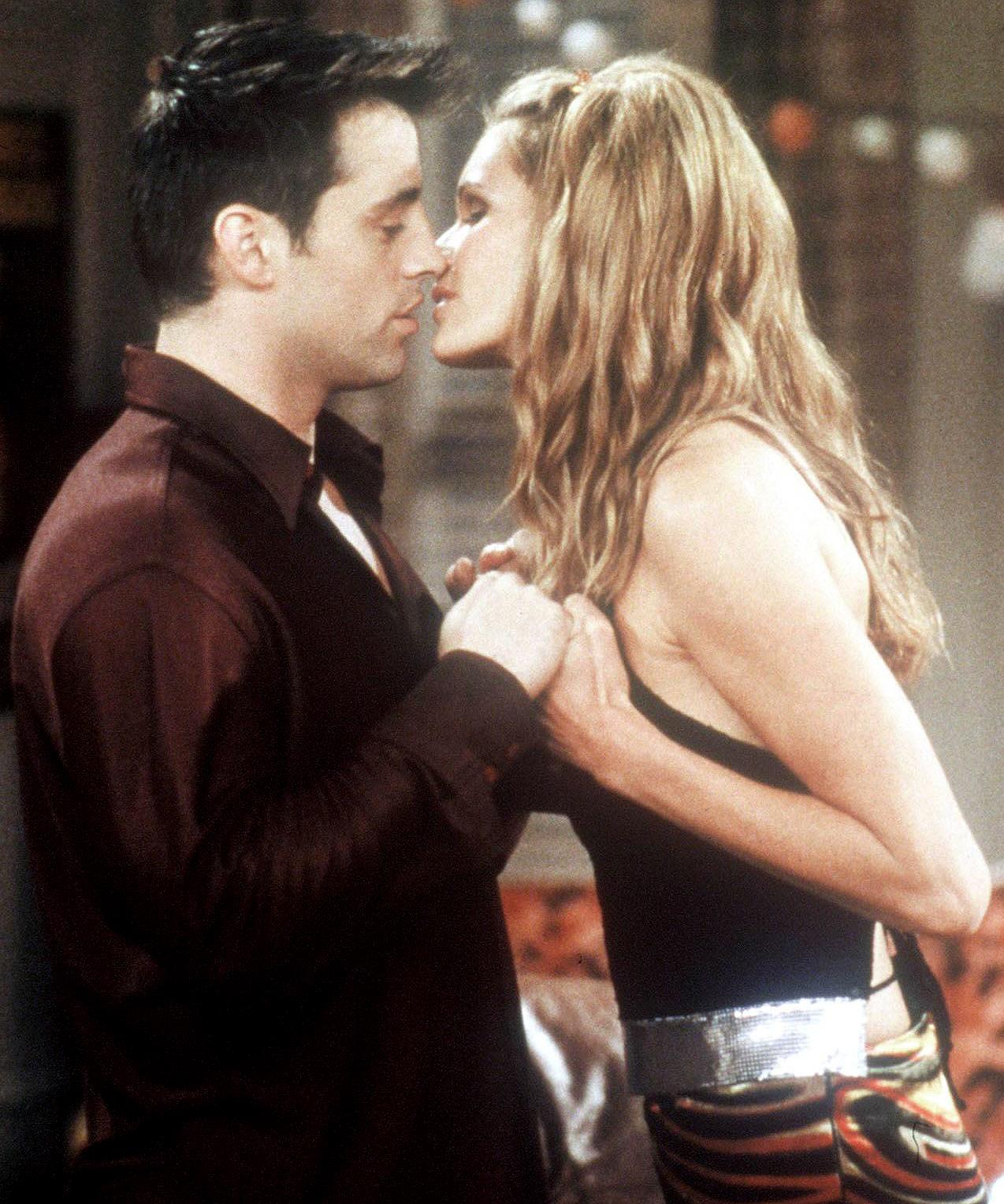 Matt LeBlanc and Elle Macpherson on 'Friends.'