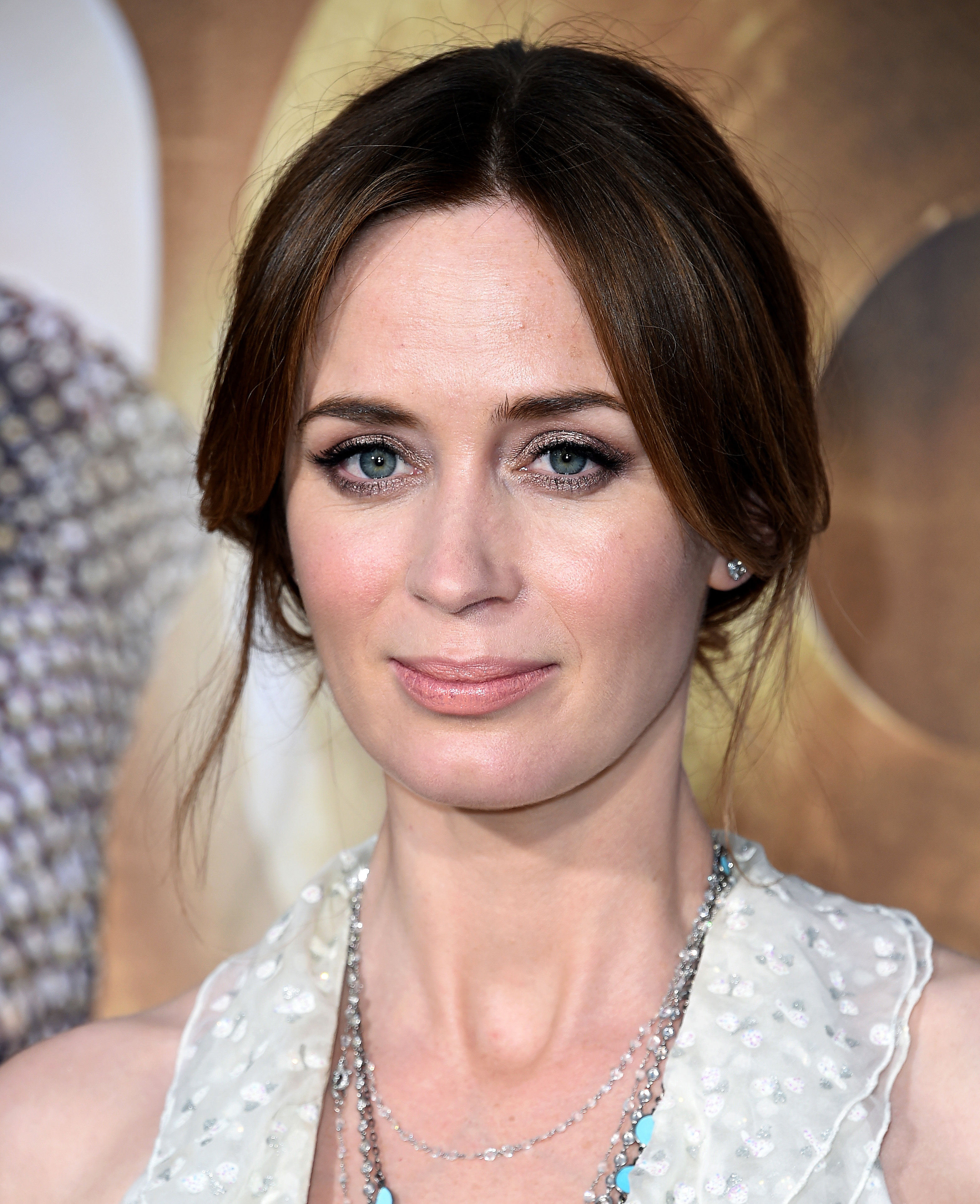 Pregnant Emily Blunt\'s Red Carpet Hair, Makeup: Details