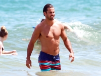 Eric Decker NFL Hunk Shirtless