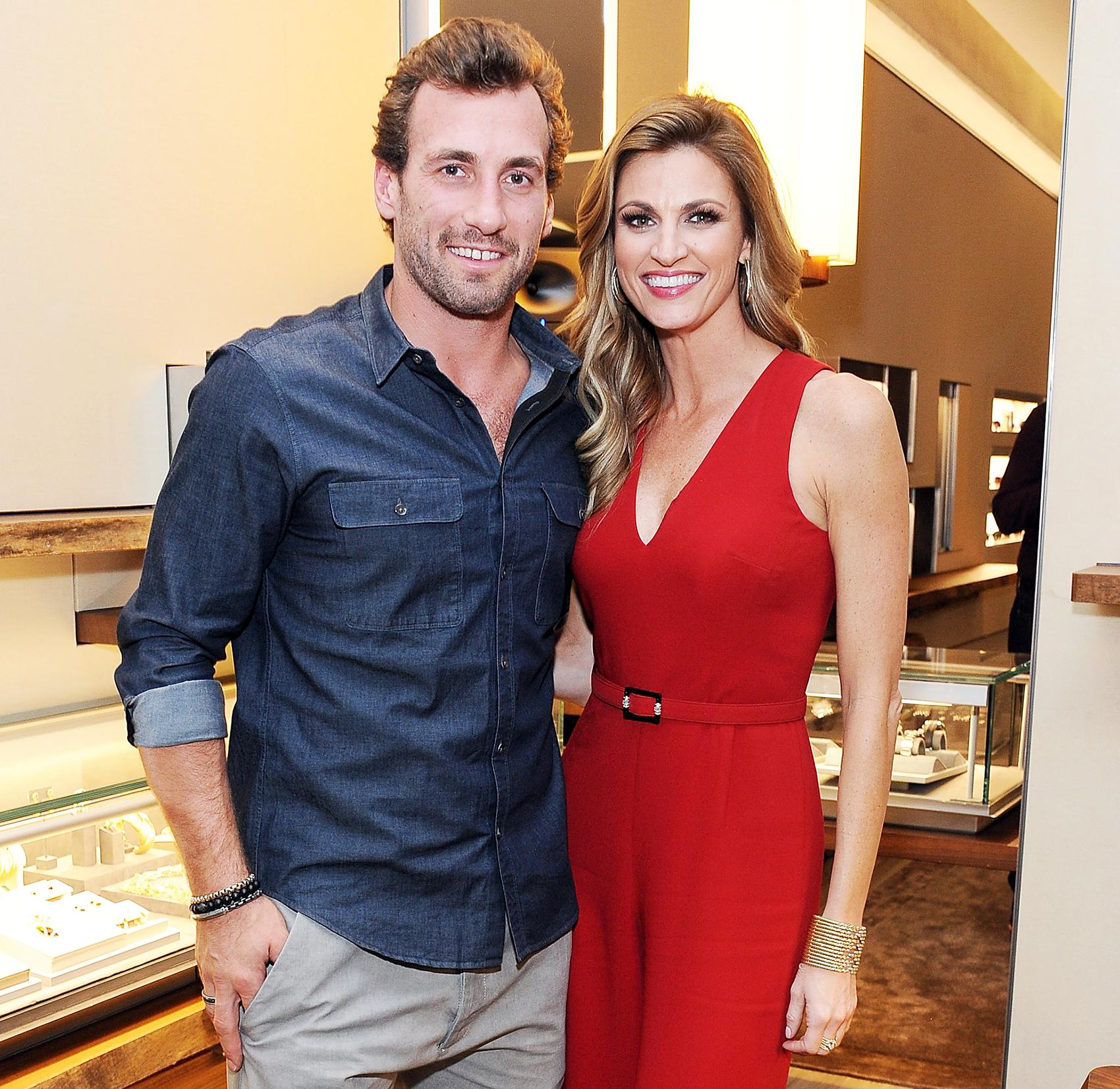 Erin Andrews Debuts Huge Diamond Engagement Ring Photos