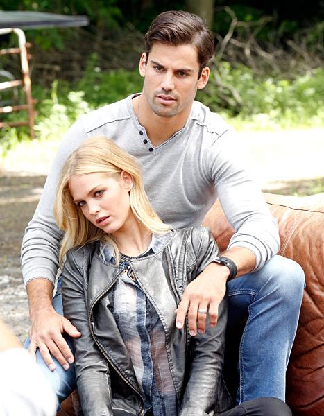 Erin Heatherton and Eric Decker horse