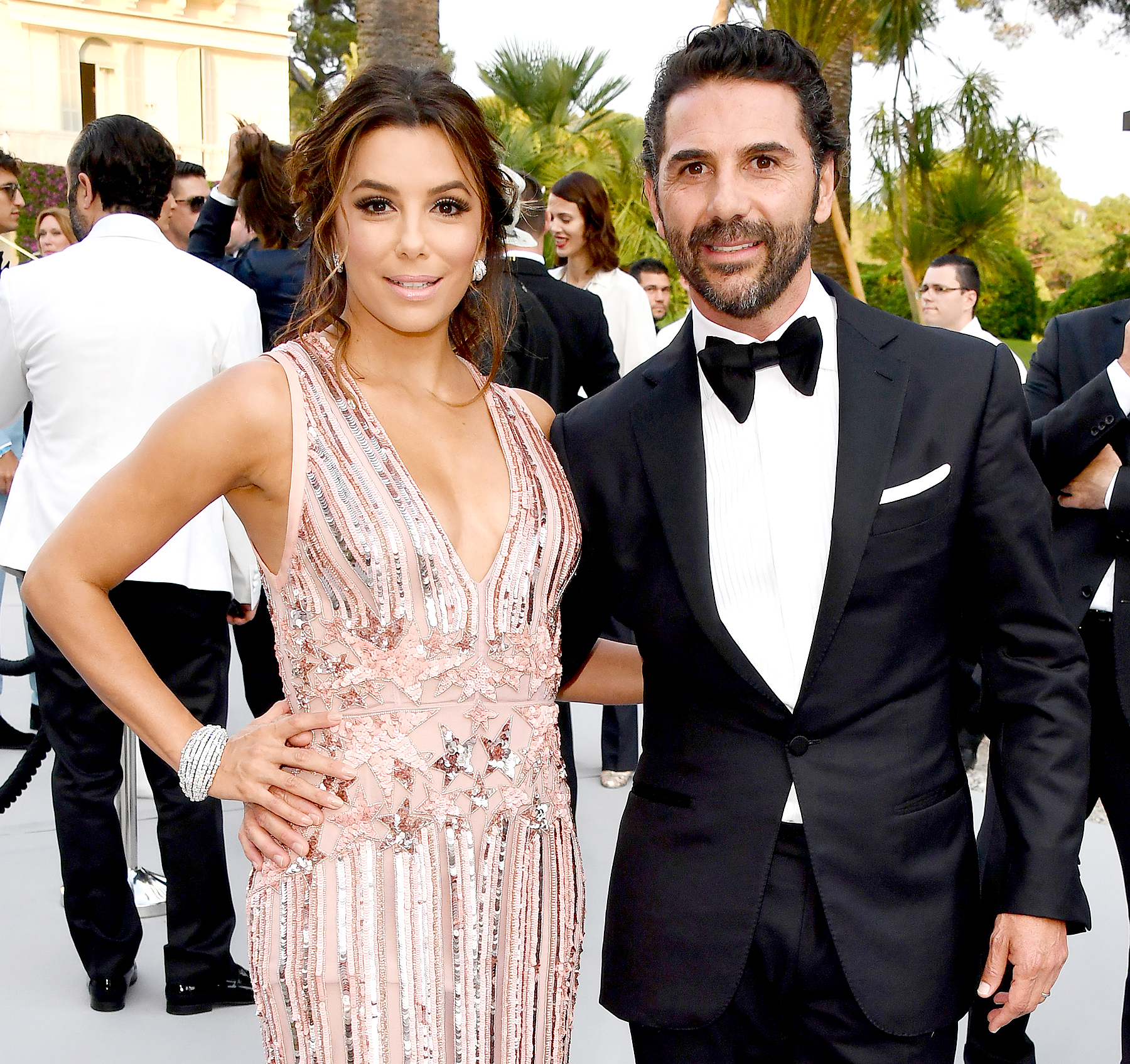 Eva Longoria pregnant with her first child