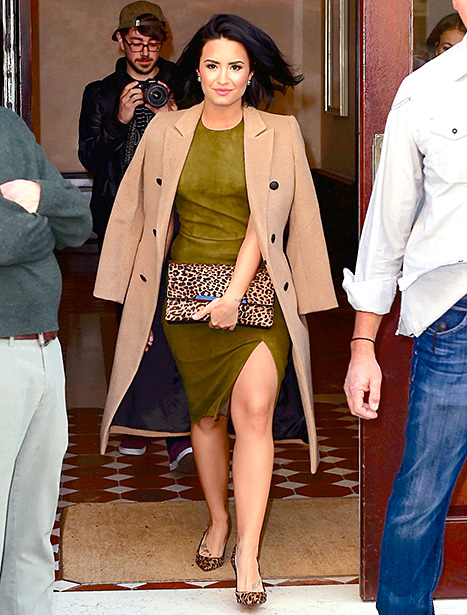 Demi Lovato - olive green