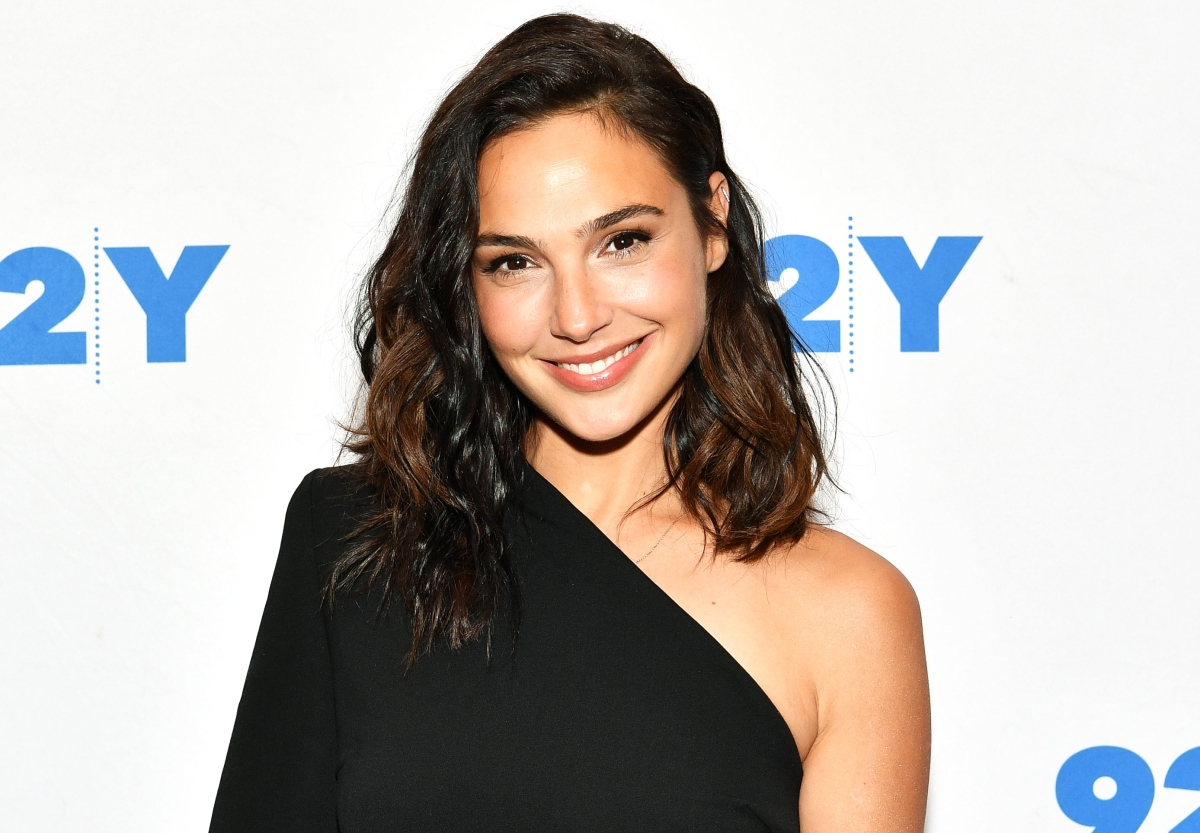 Wonder Woman Gal Gadot and Reebok Unite for a Fierce New Activewear Campaign cc9cdfc73