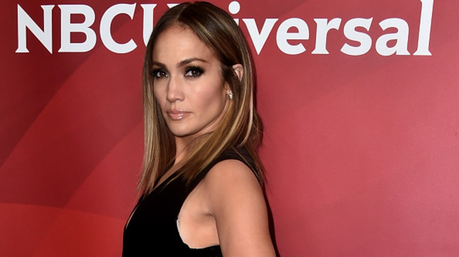 Jennifer Lopez and Alex Rodriguez's Daughters Emme and Natasha Bond in New Pic