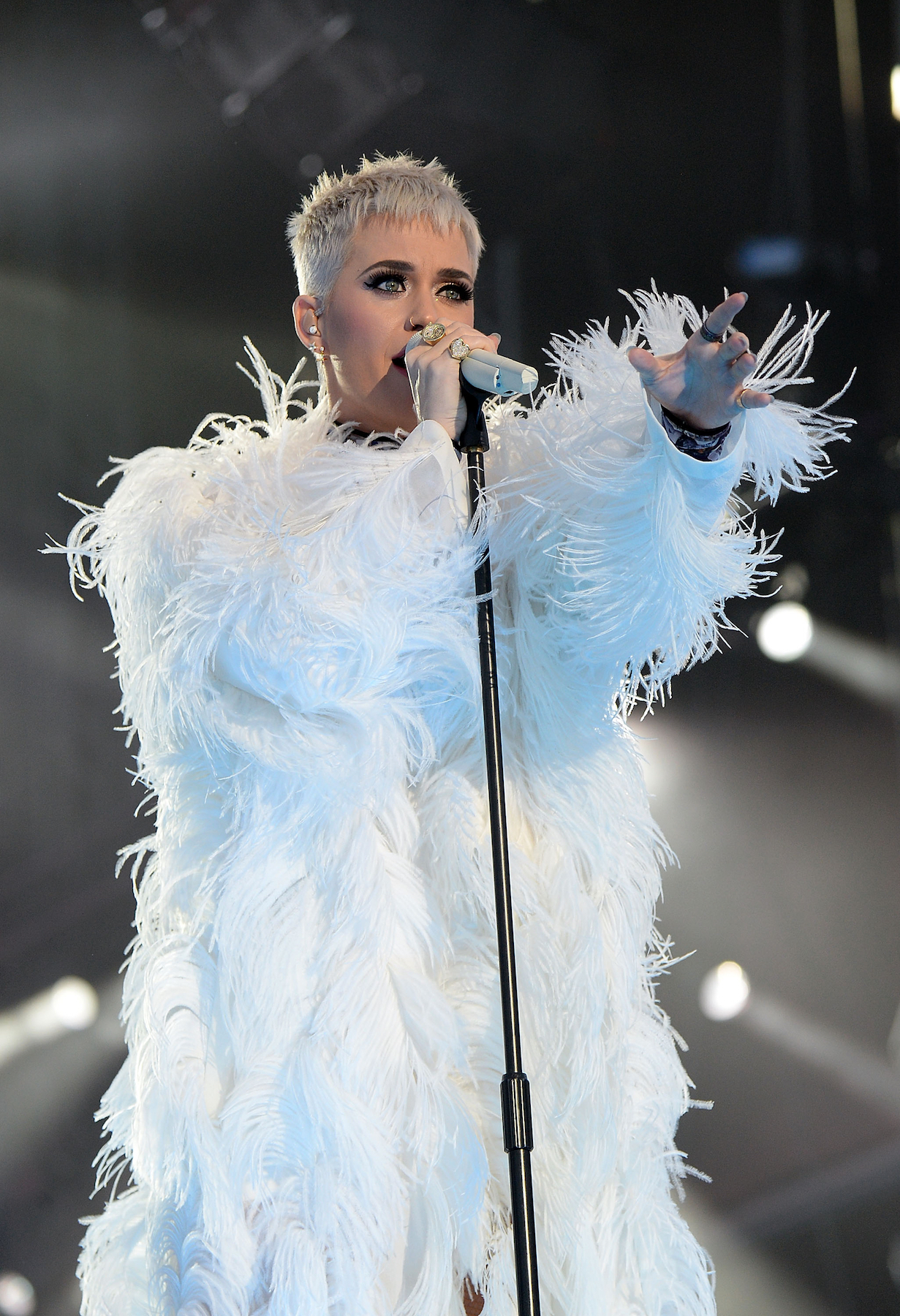 Katy Perry Sings Powerful Version of 'Part of Me' in Manchester