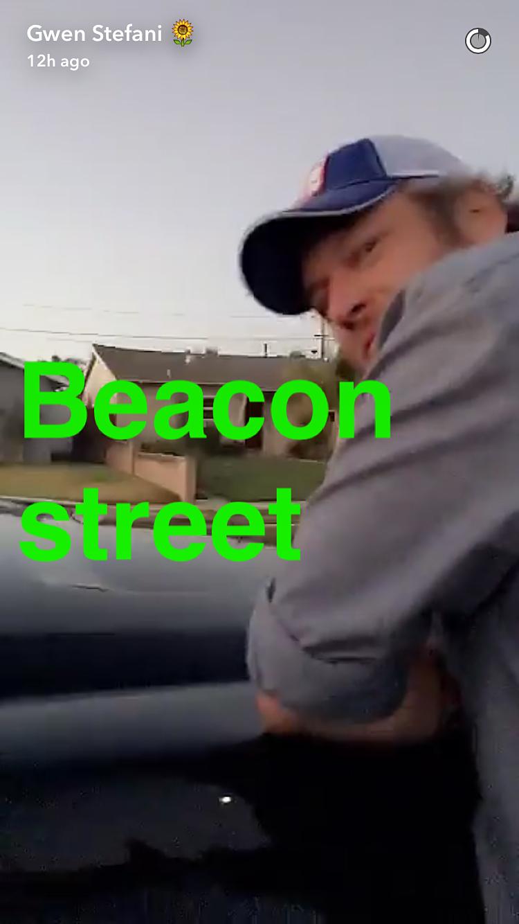 Gwen Stefani Blake Shelton Beacon Street