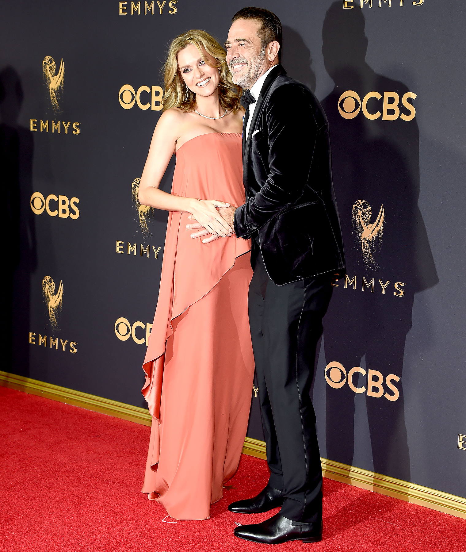 Hilarie Burton and Jeffrey Dean Morgan attend the 69th Annual Primetime Emmy Awards at Microsoft Theater on September 17, 2017 in Los Angeles, California.