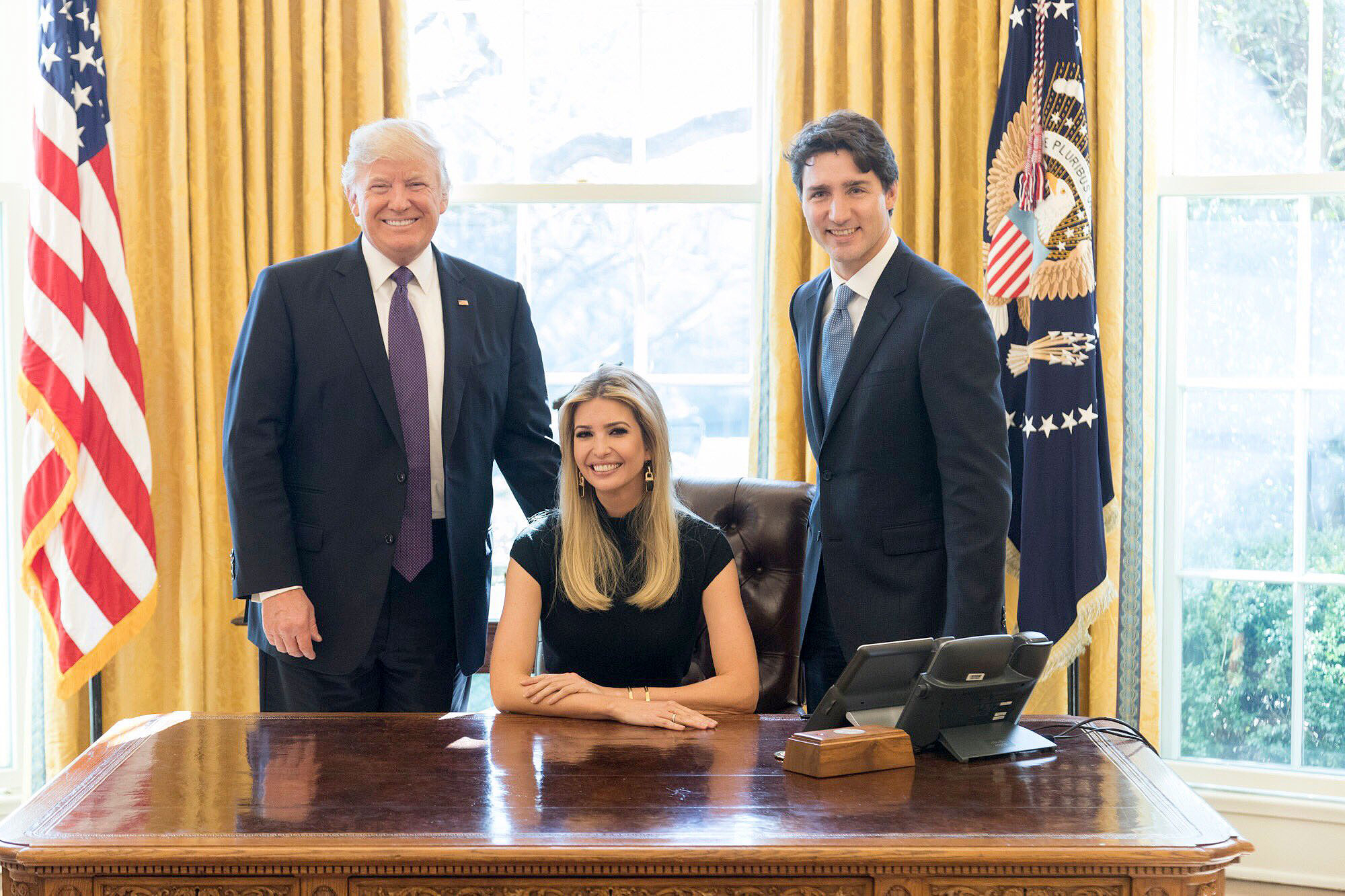 desk in oval office. Ivanka Trump/Twitter Desk In Oval Office E