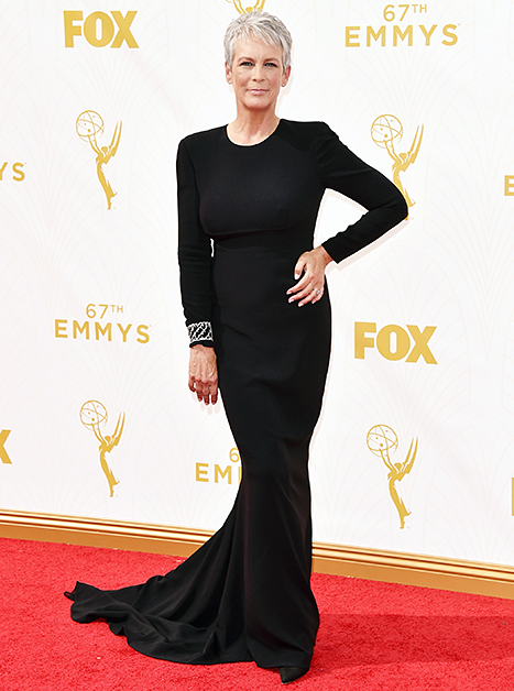 jamie lee curtis overdressed at the emmys