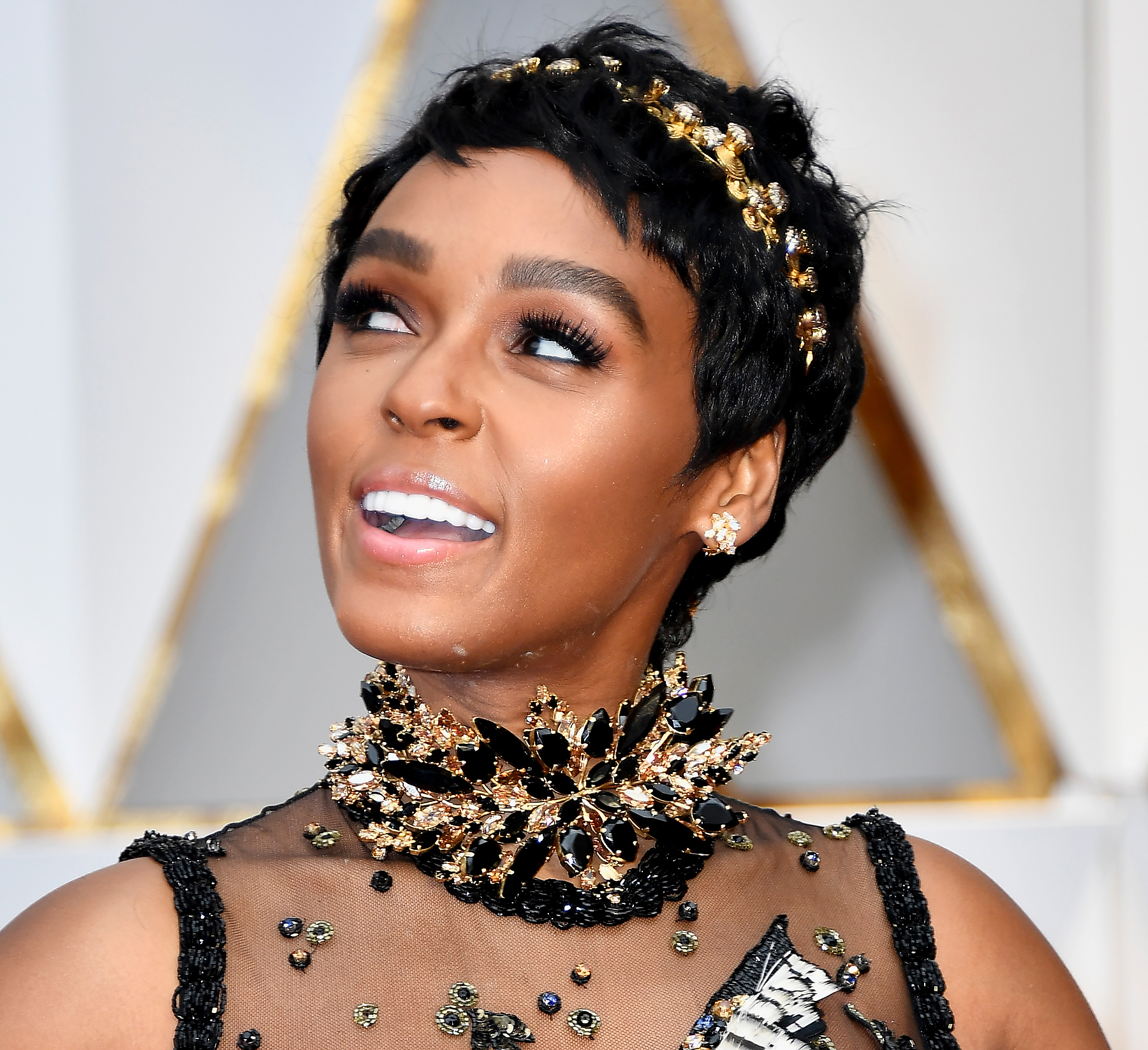 cali hair styles jeweled headbands see ruth negga and janelle monae s best 8719 | janelle monae zoom d99127a2 1c24 4239 8719 2886b191c550