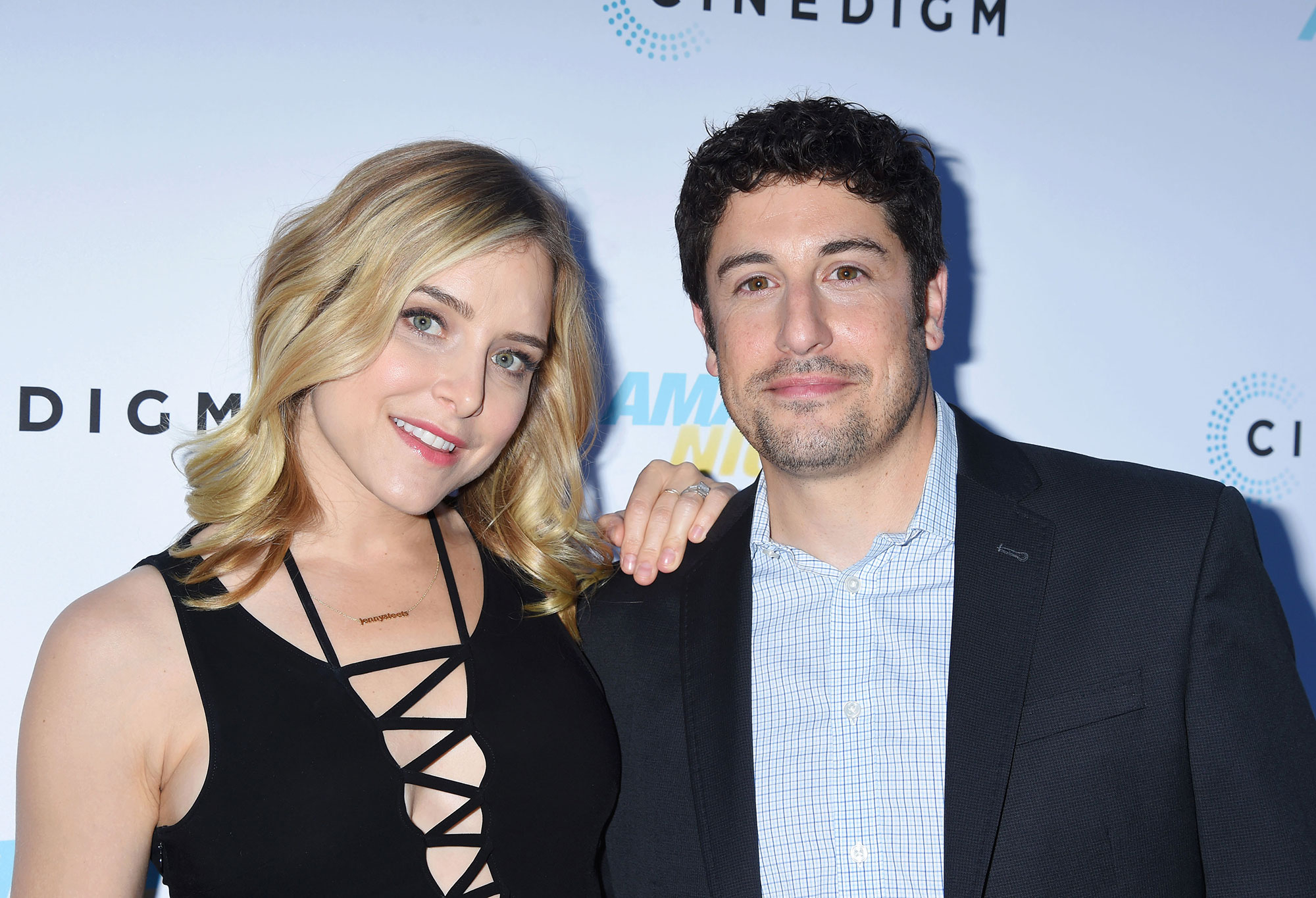 Jason Biggs wife shared a naked picture of the American