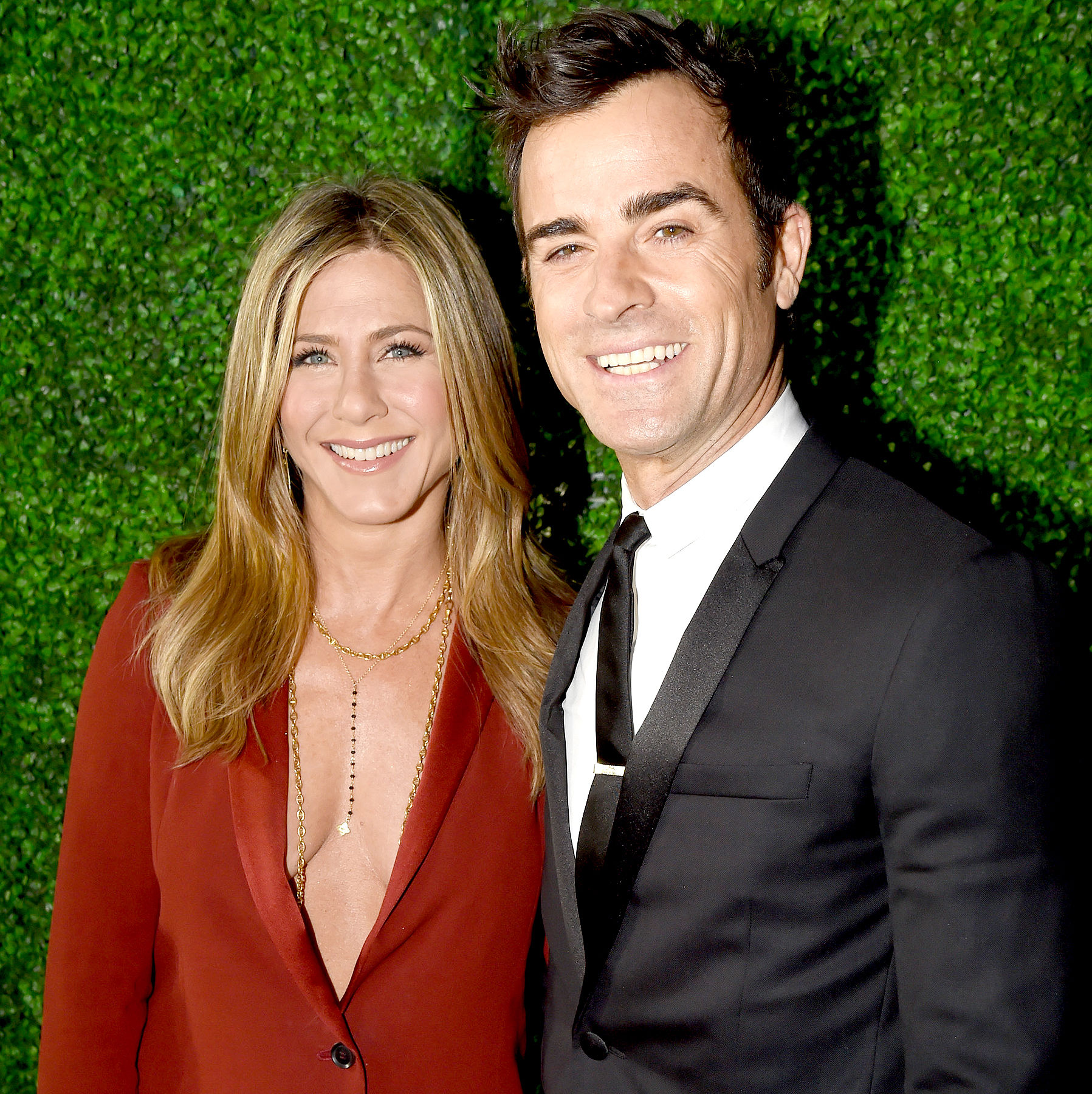 Jennifer Aniston and Justin Theroux (R) attend the 20th annual Critics' Choice Movie Awards at the Hollywood Palladium on January 15, 2015 in Los Angeles, California.