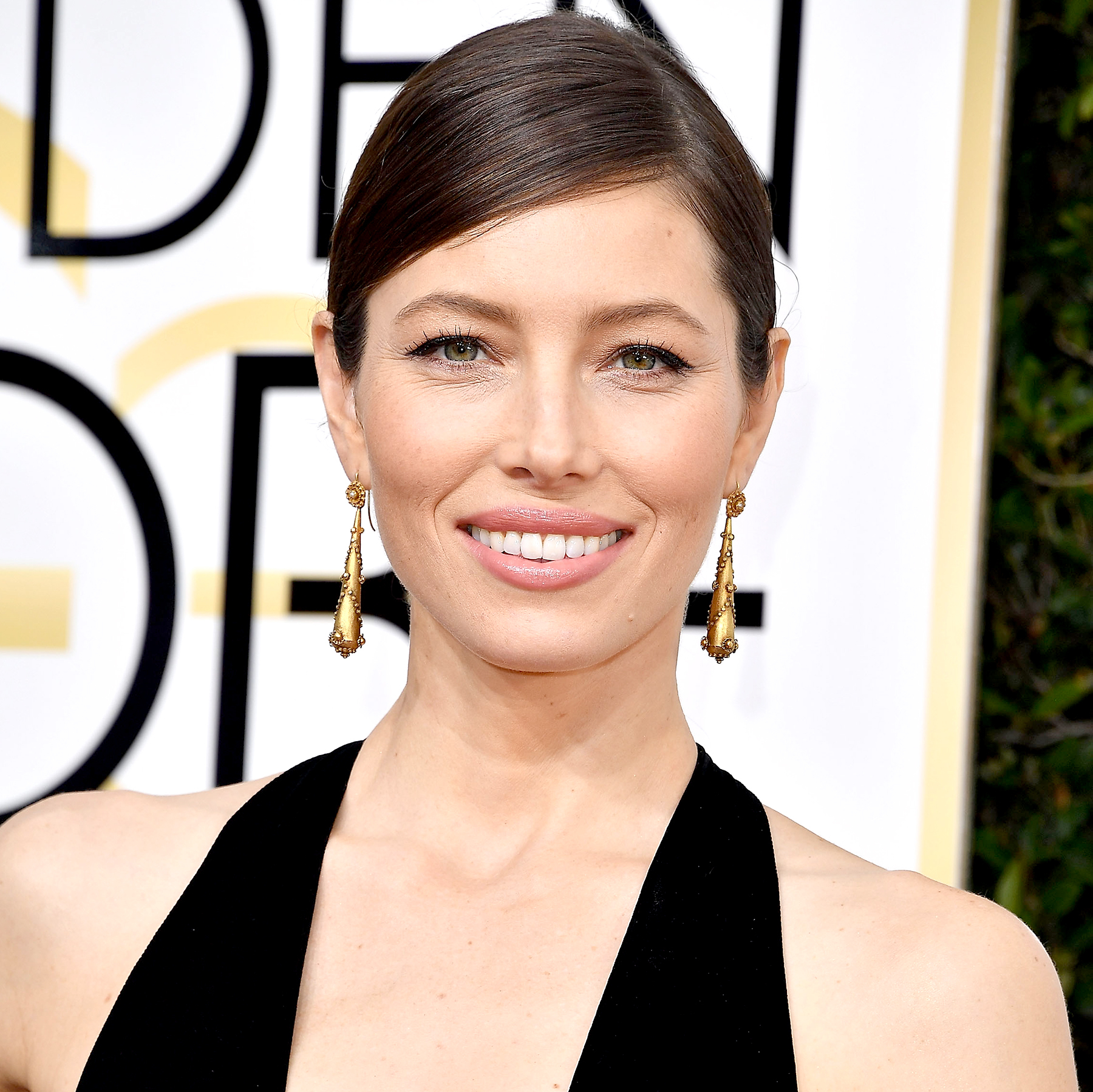 Jessica Biel arrives at the 74th Annual Golden Globe Awards at The Beverly Hilton Hotel on January 8, 2017 in Beverly Hills, California.