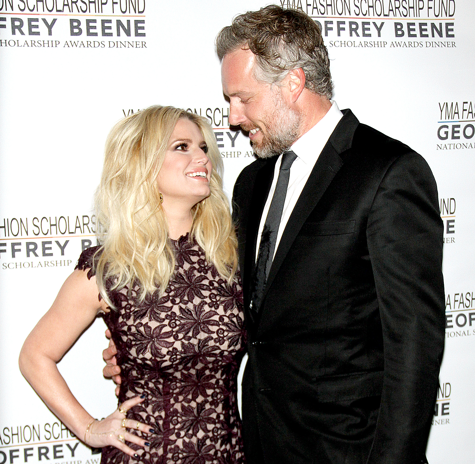 Jessica Simpson and Eric Johnson at the 2016 YMA Scholarship Fund Geoffrey Beene National Scholarship Awards Dinner.