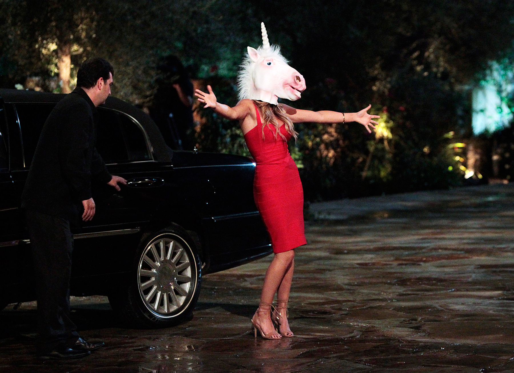 Joelle greets Ben Higgins on the premiere of 'The Bachelor.'