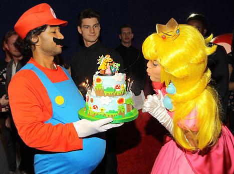 chrissy teigen bday cake