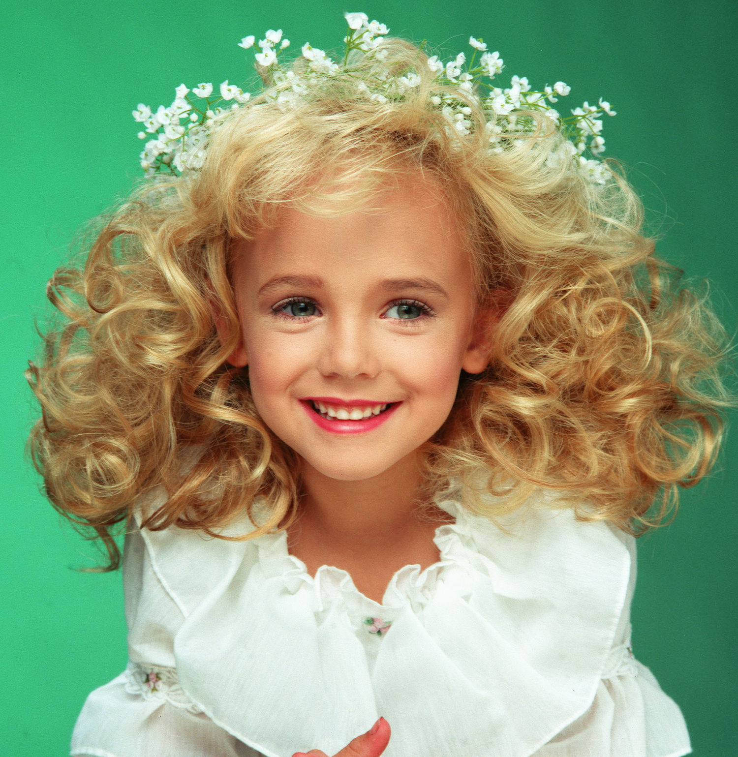 who killed jon benet ramsey Sorry some of the text goes a bit too fast so pause if you need all of the evidence in this video is all fact but the theory is mine make sure to subscri.