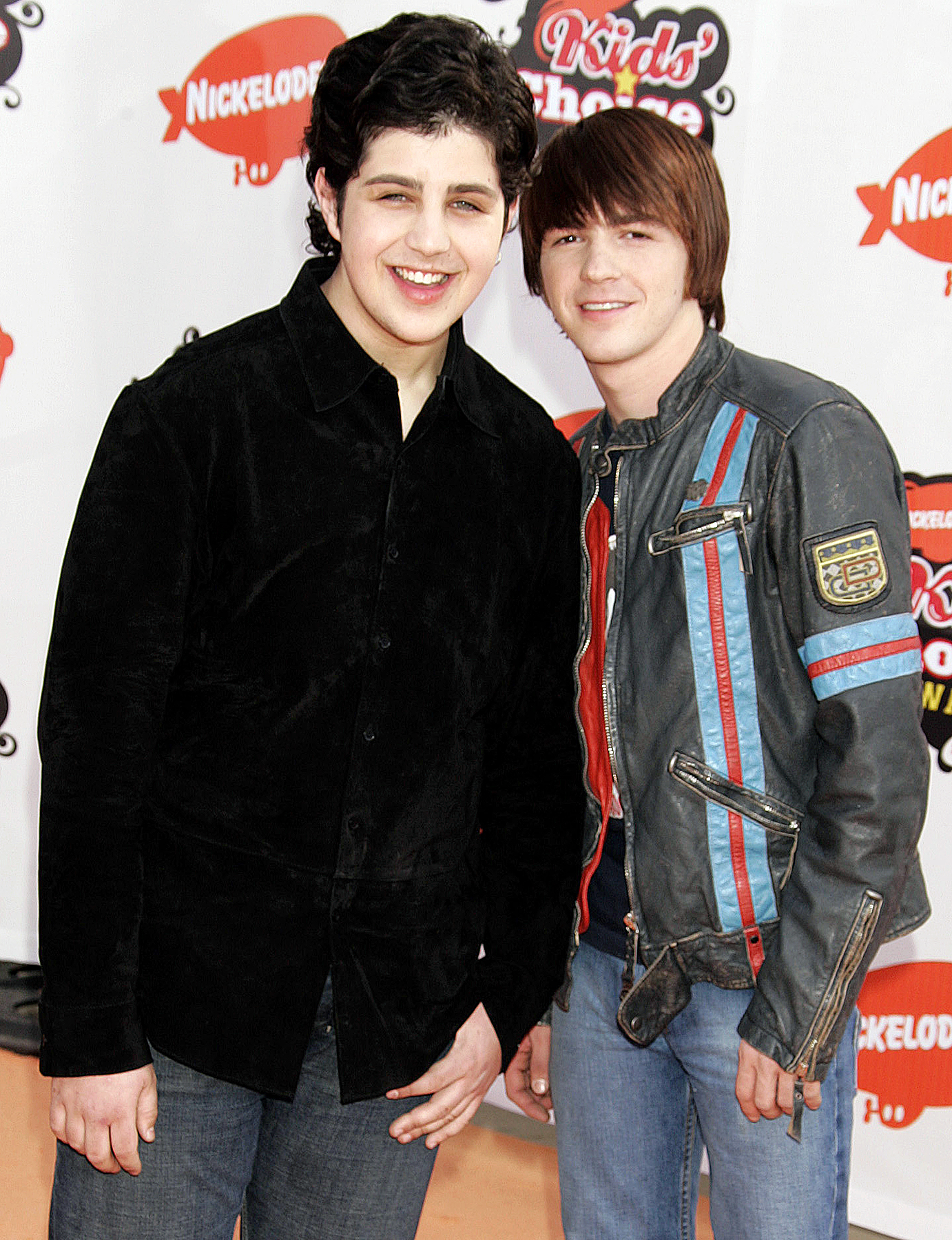 Drake Bell Josh Peck - They're red carpet pros by now! The costars posed together once again at the Nickelodeon Kids' Choice Awards at UCLA's Pauley Pavilion in Westwood.