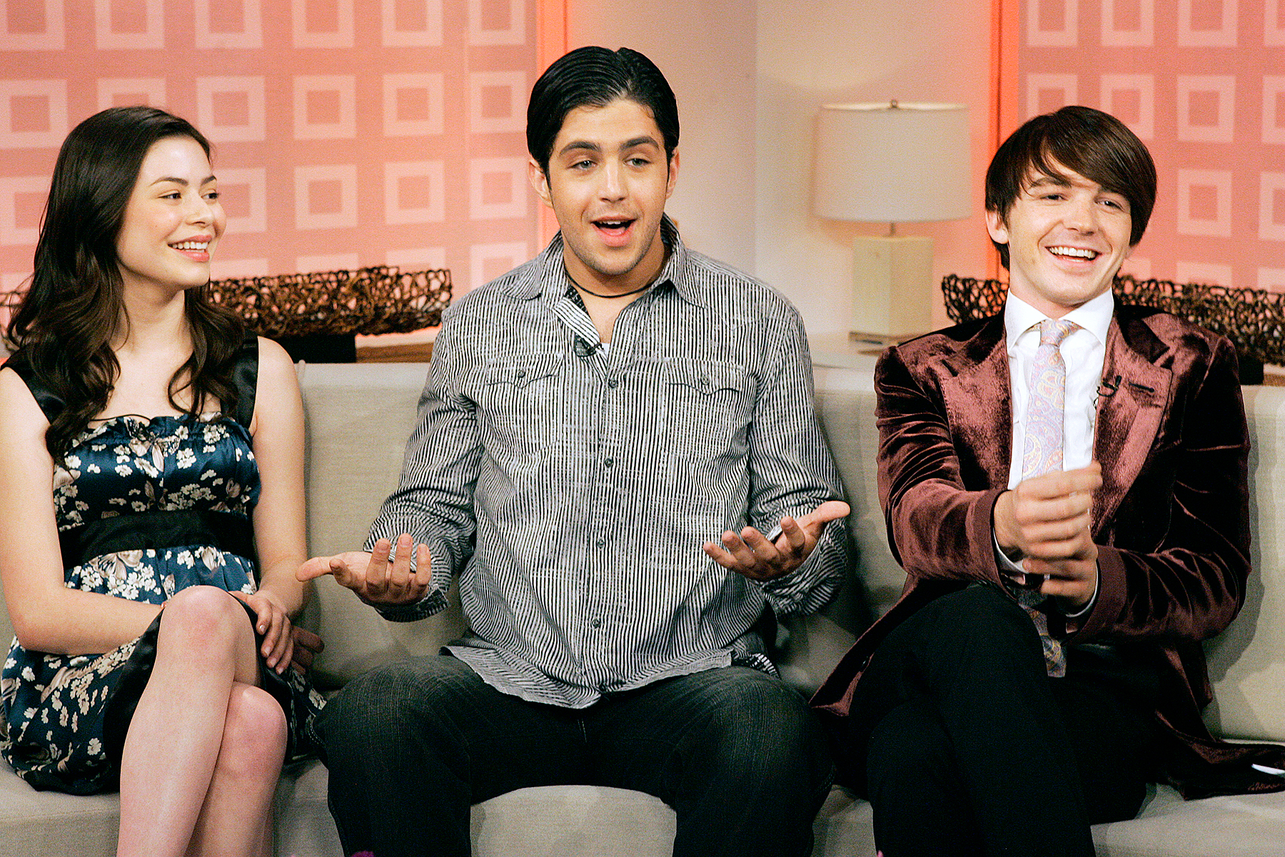 Drake Bell Josh Peck Miranda Cosgrove - Bell and Peck appeared on the Today show in 2007 with Miranda Cosgrove , who played their devious sister Megan on the sitcom.