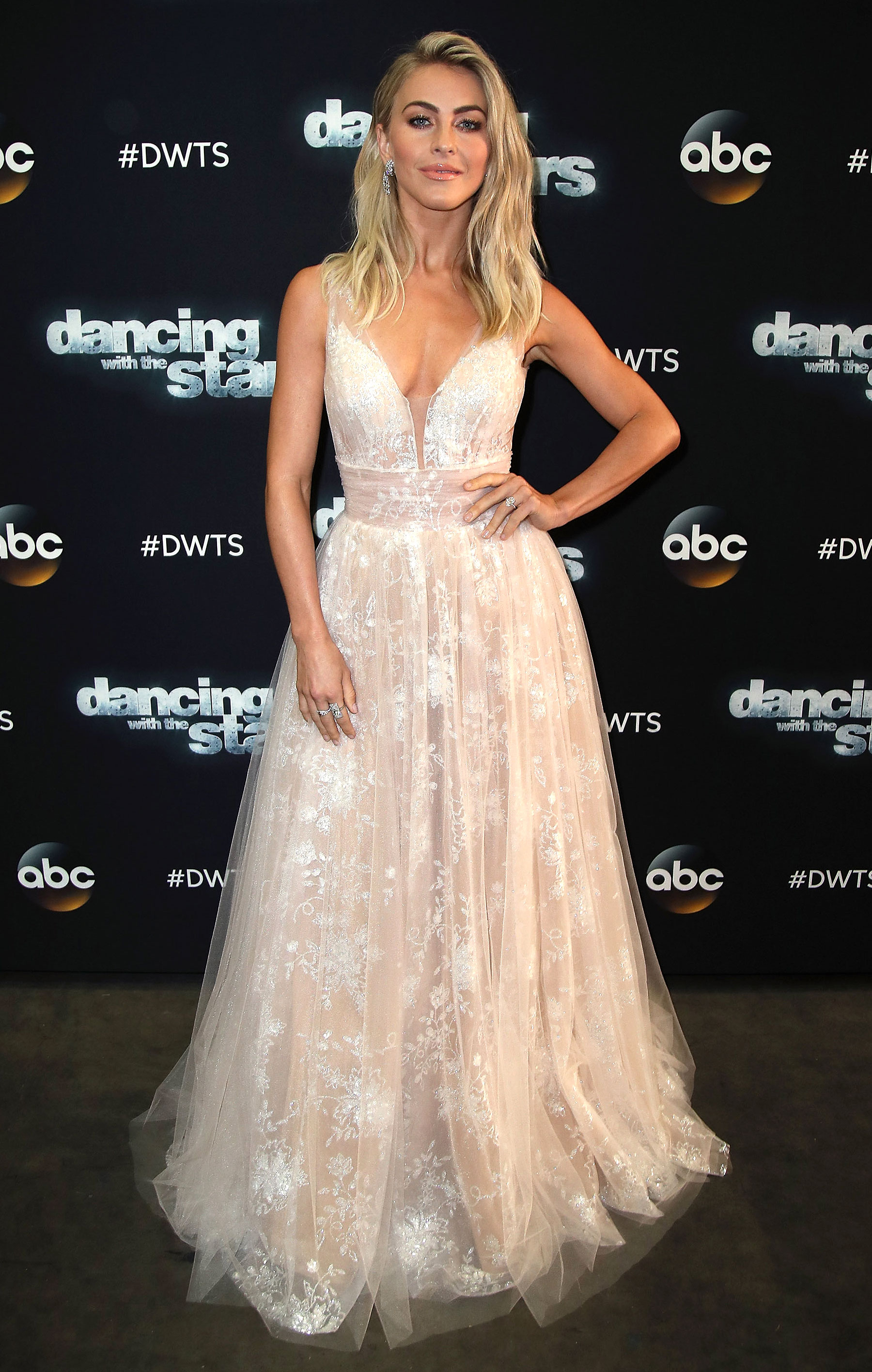 Julianne hough white dress on dancing with the stars