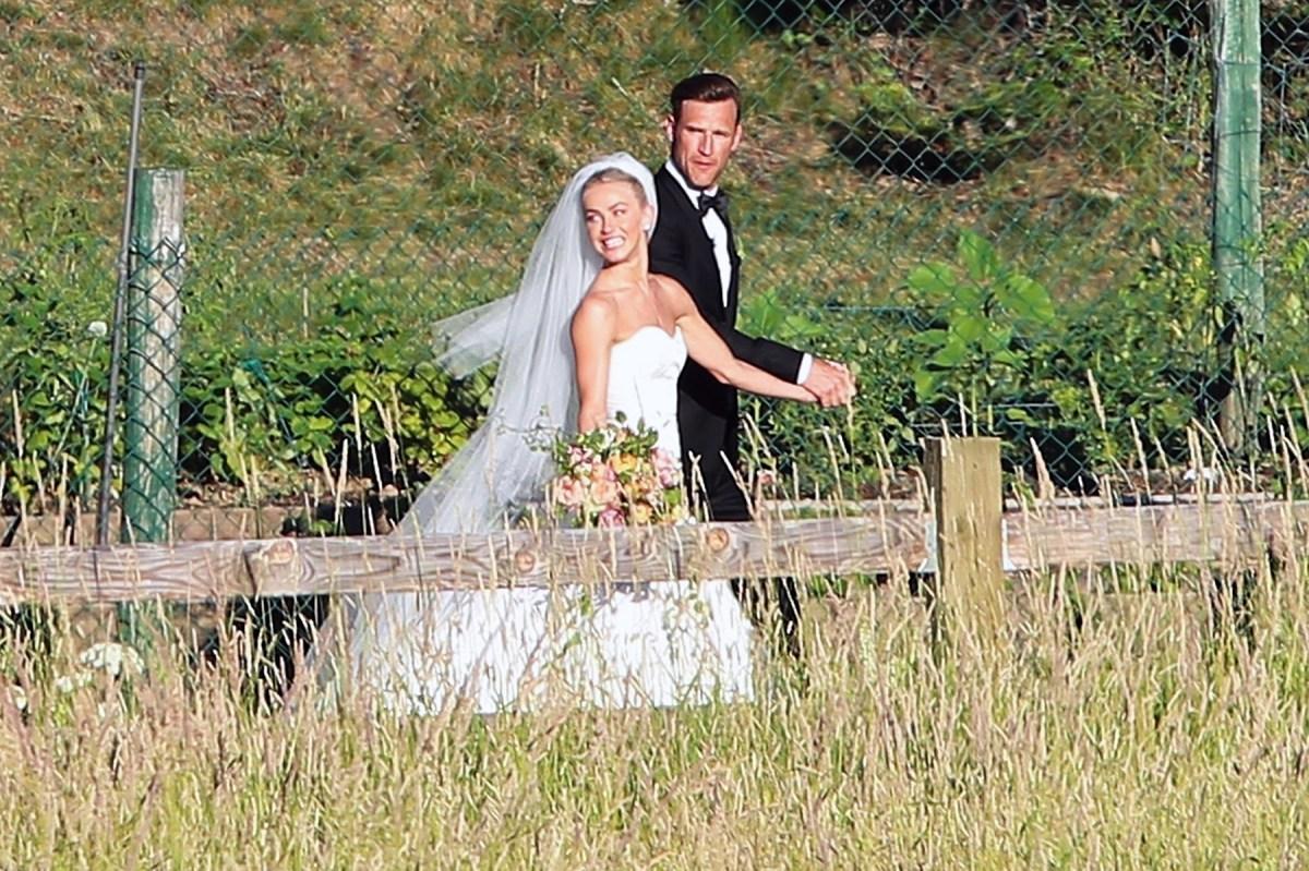 Julianne Hough Wedding Dress.Julianne Hough S Dreamy Wedding Weekend Pics