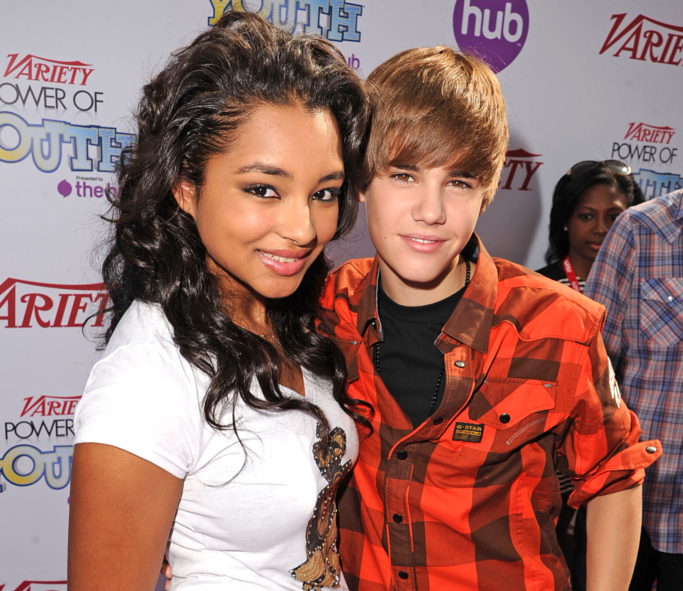 Who has justin bieber dated in the past