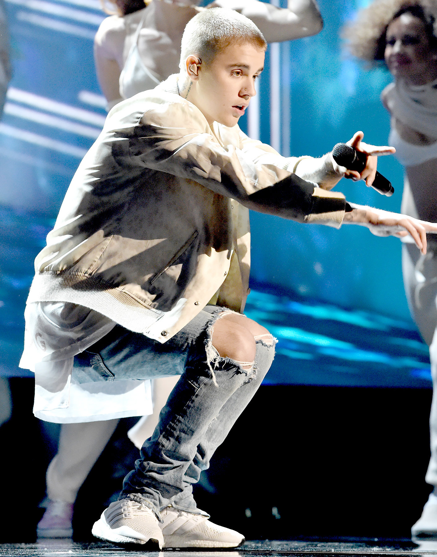 Justin Bieber performs onstage during the 2016 Billboard Music Awards.