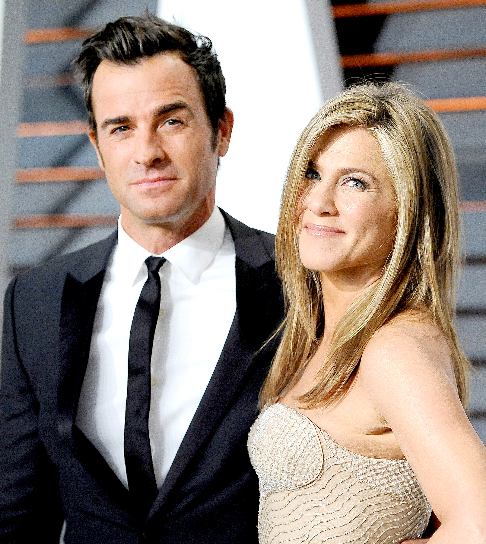 Justin Theroux and Jennifer Aniston arrive at the 2015 Vanity Fair Oscar Party Hosted By Graydon Carter at Wallis Annenberg Center for the Performing Arts on February 22, 2015 in Beverly Hills, California.